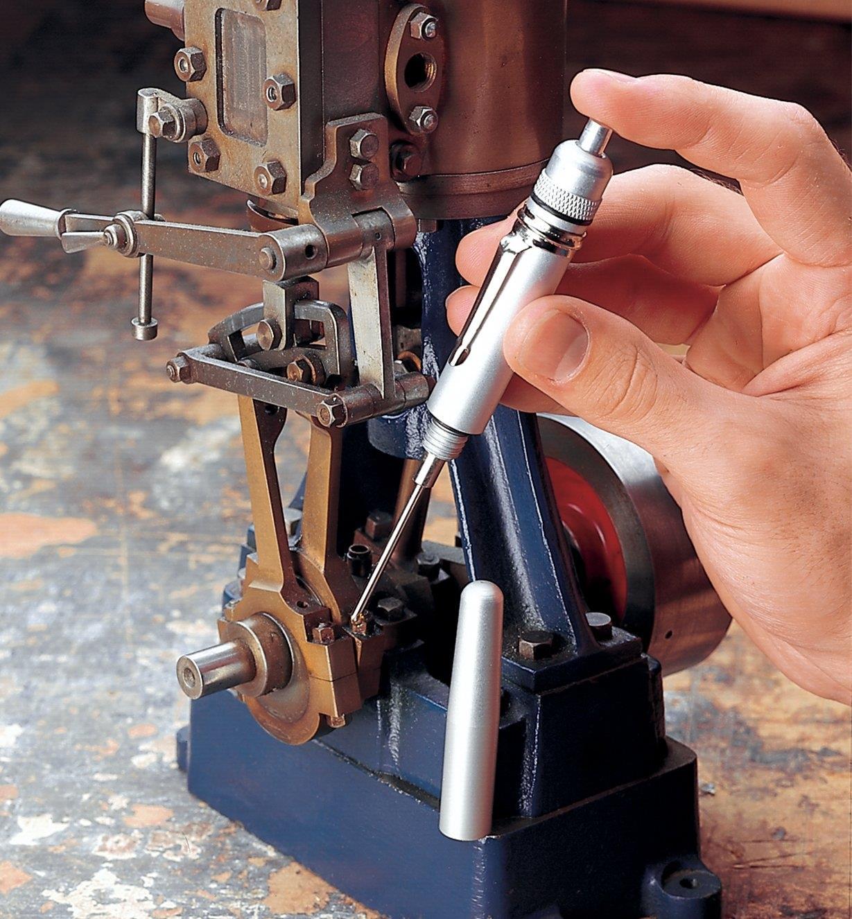 25K7002 - Precision Oiler Pen