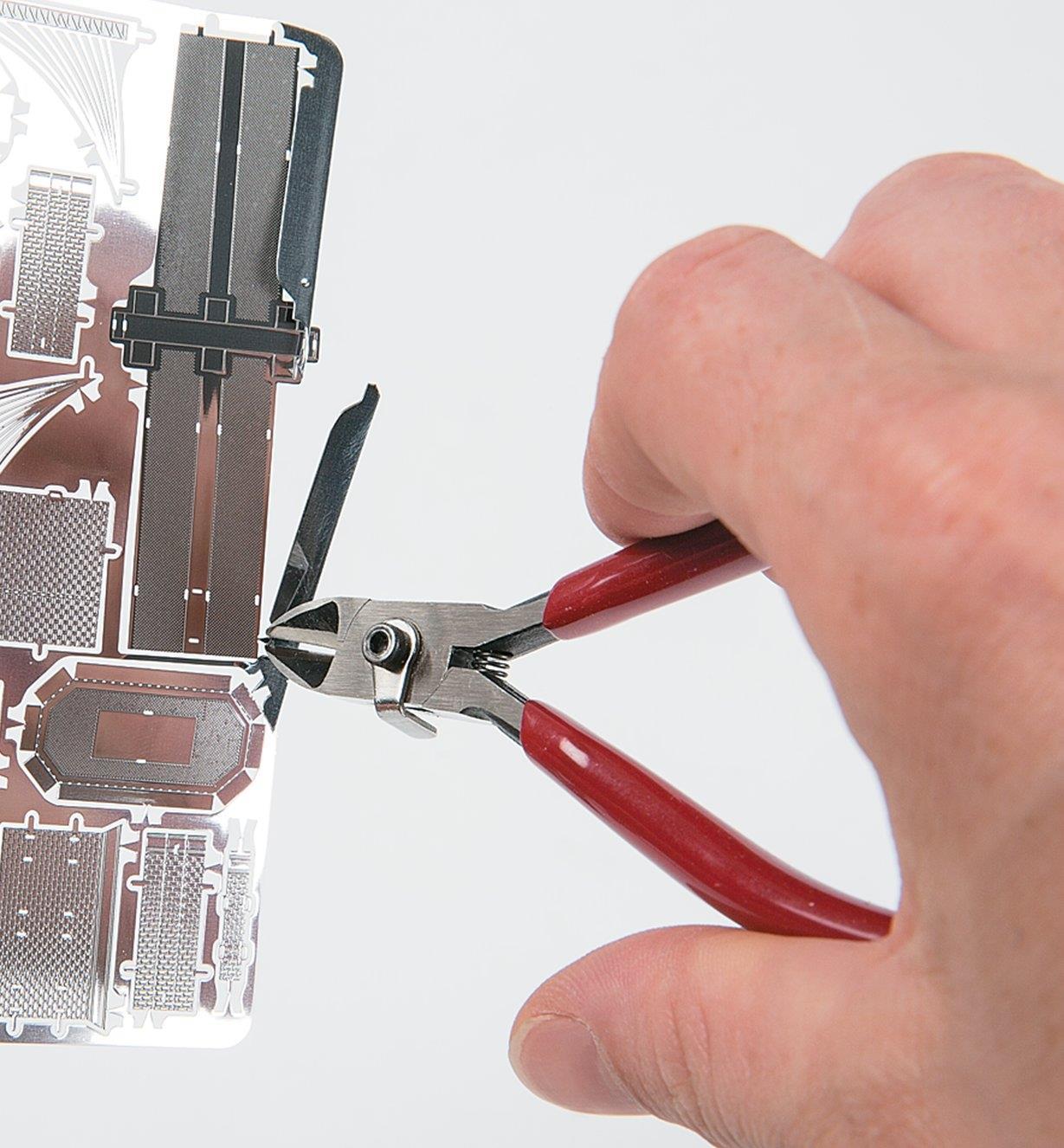 60K2304 - Cisailles de petit format pour métal