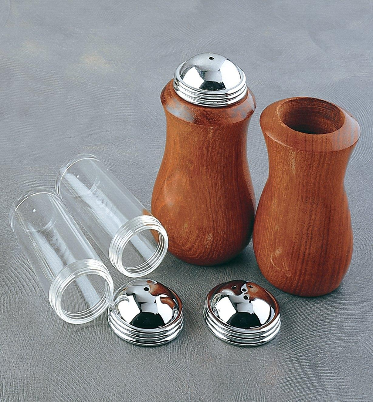 88K8158 - Salt & Pepper Shaker Kit