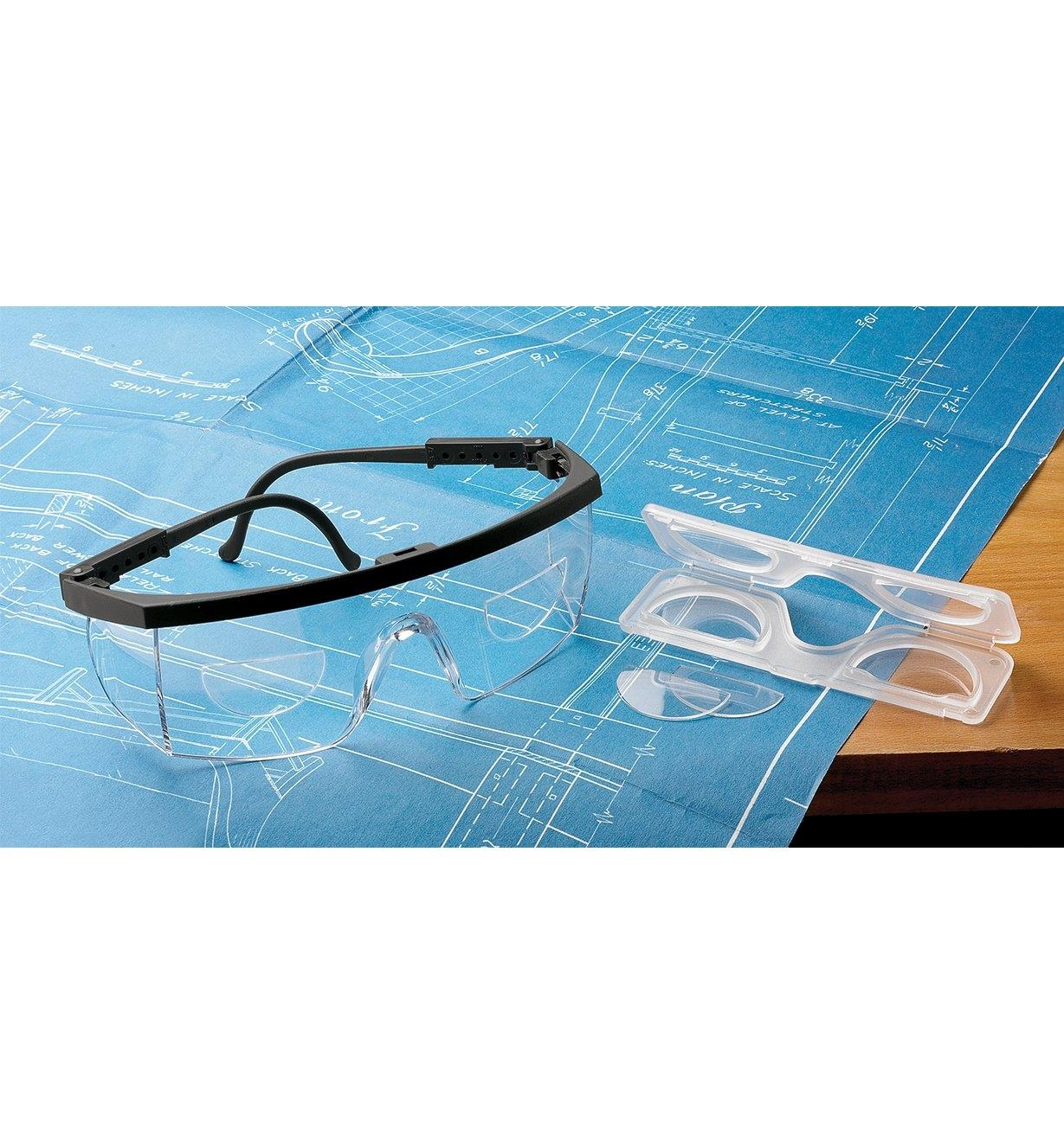22R7341 - +1.50 Stick-On Magnifying Lenses, pair