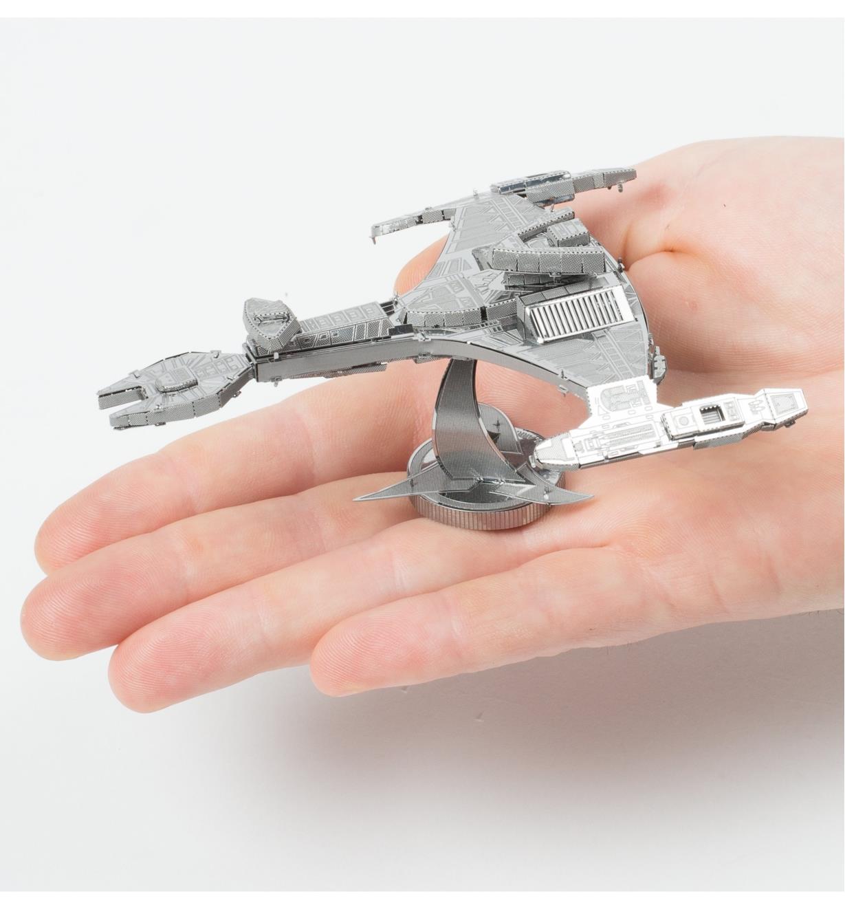 45K4057 - Star Trek Metal Model Kit - Klingon Vor'cha