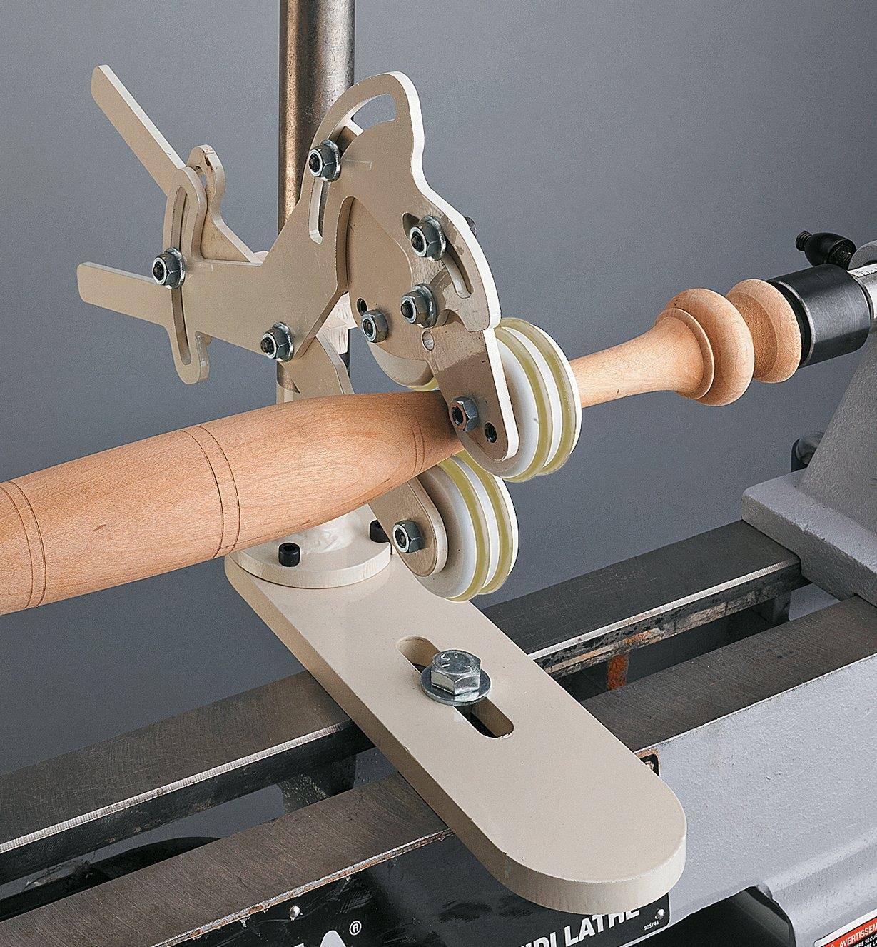 Spindle Steady supporting a spindle on a lathe