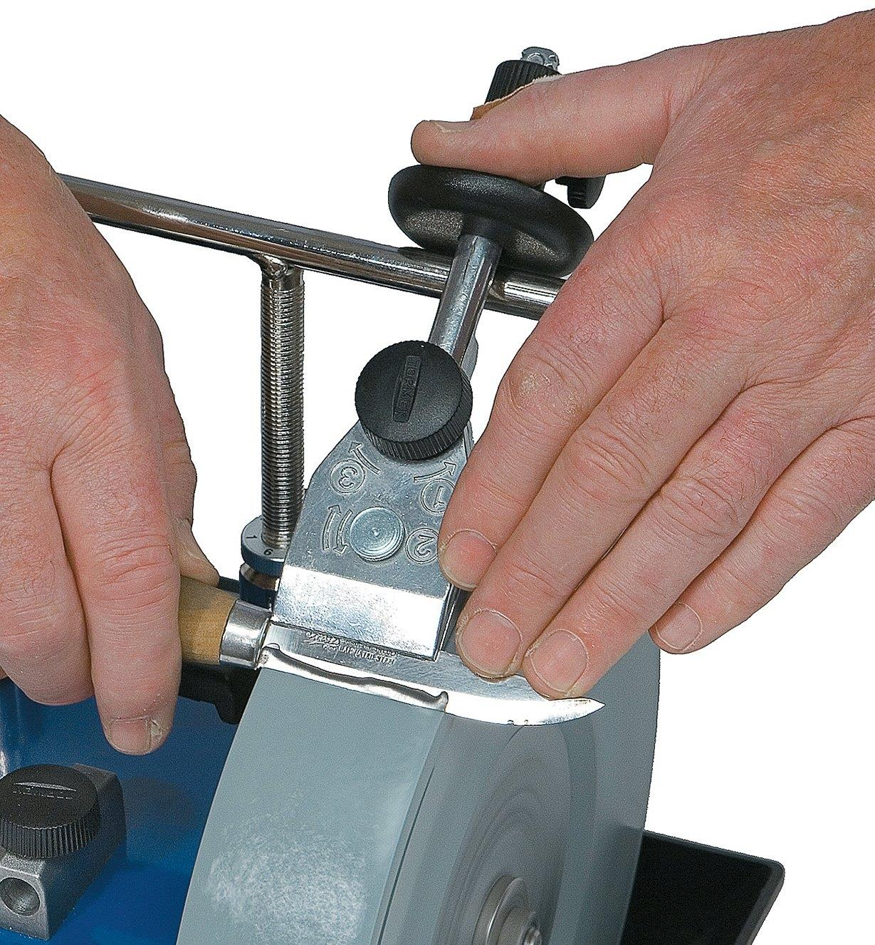 Sharpening a knife using the Tormek Small Knife Jig