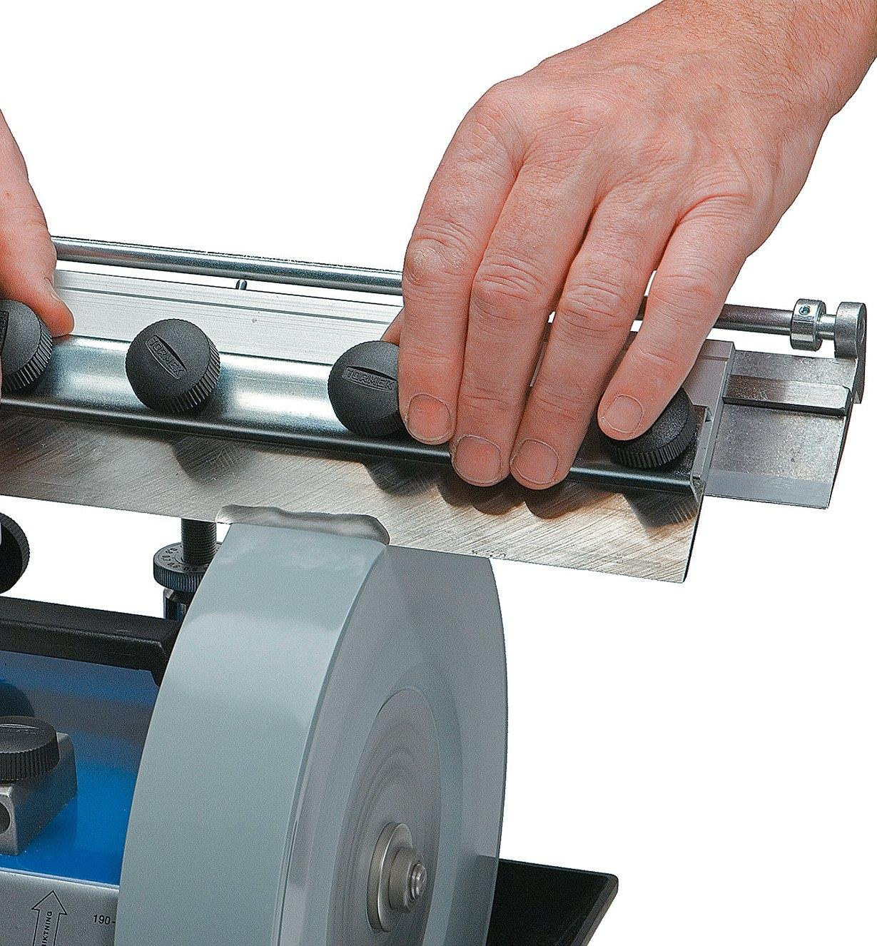Sharpening a planer blade using the Tormek Planer Blade Attachment