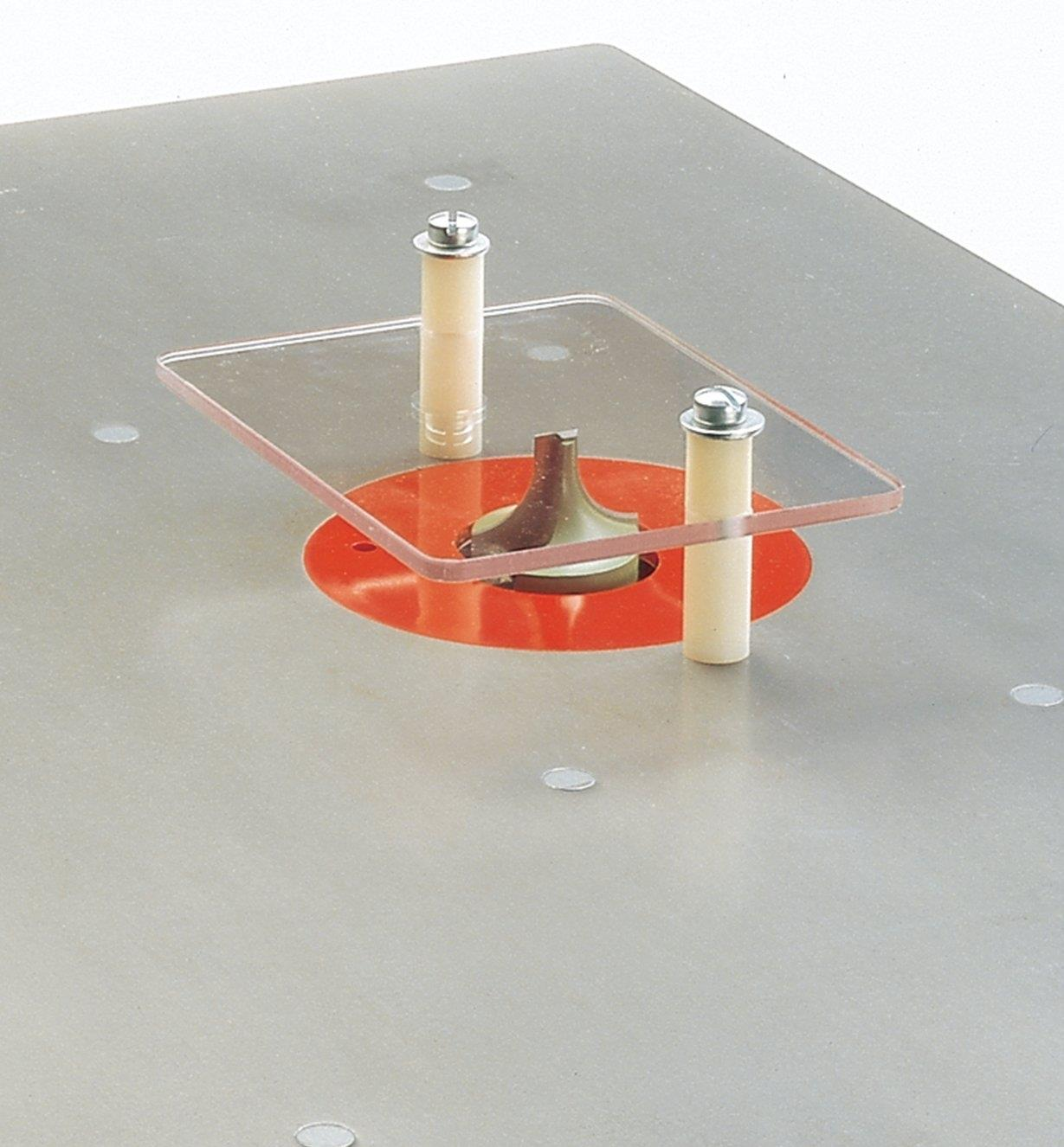 05J2305 - Table-Mount Safety Shield