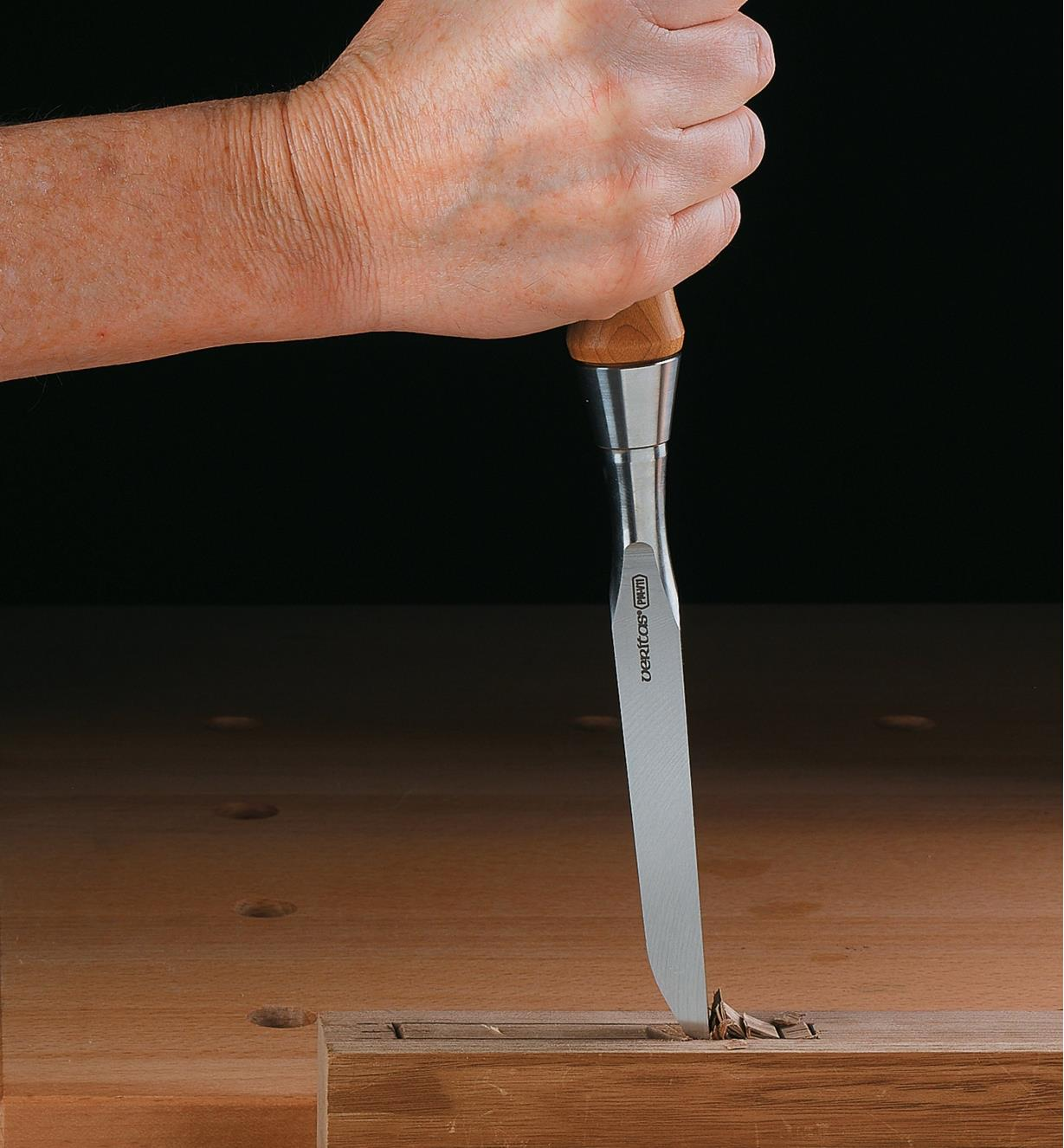 Cutting a mortise with a Veritas Mortise Chisels