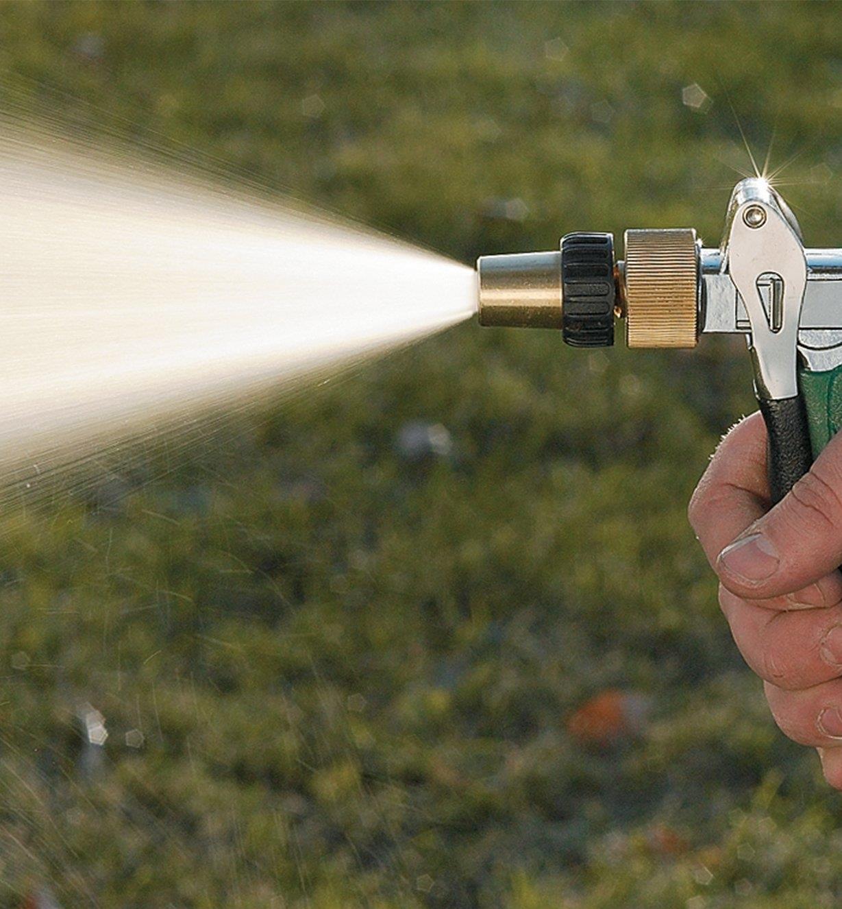 Water Gun spraying with the medium setting