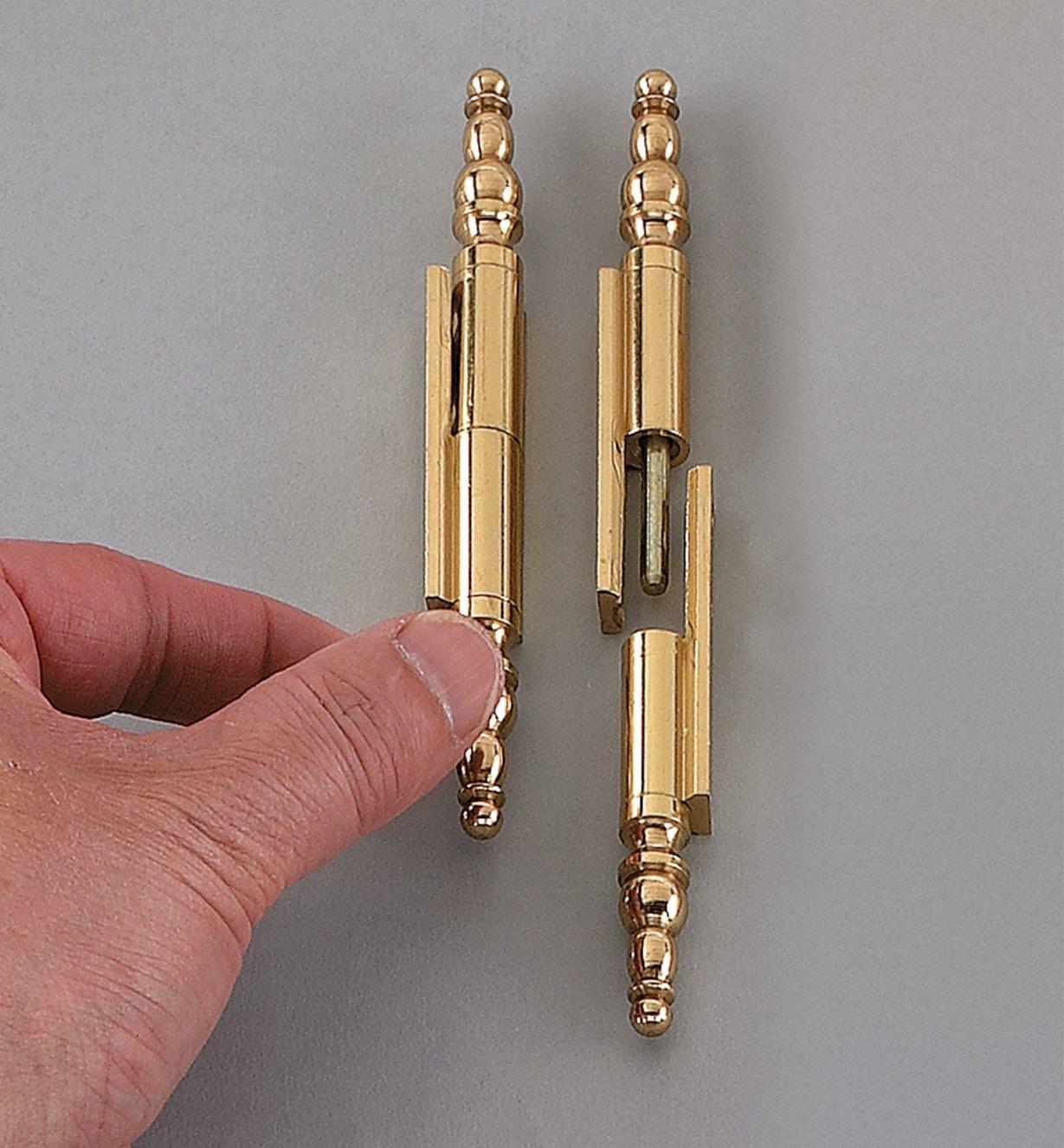 00F0101 - Paumelles extrudées pour porte de cabinet d'horloge, 2 po, la paire