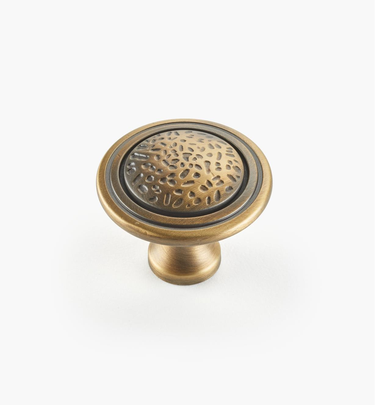 02W4001 - Antique Brass Knob
