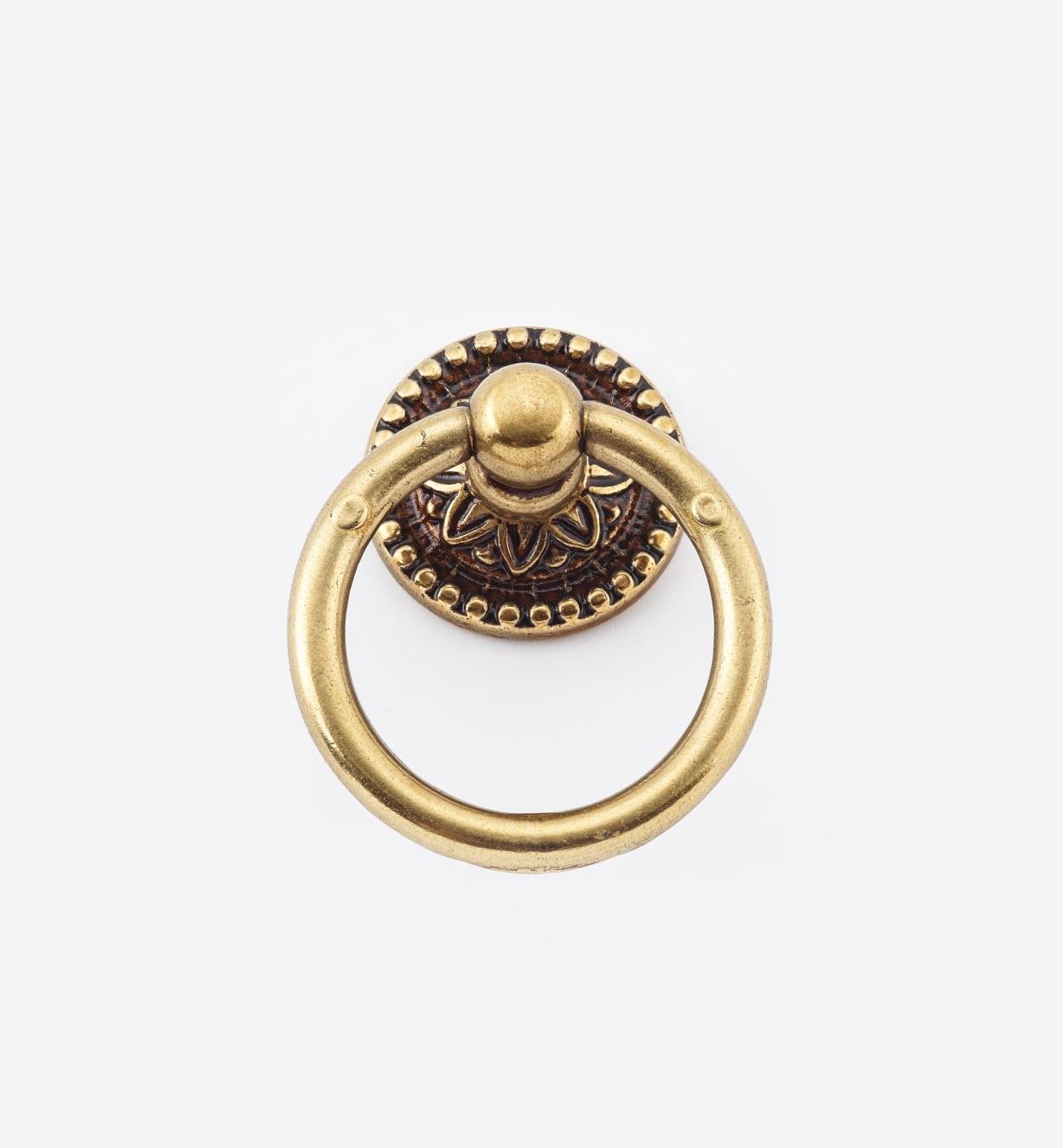 01A2180 - Poignée à anneau sur rosace Louis XVI, 34 mm x 45 mm