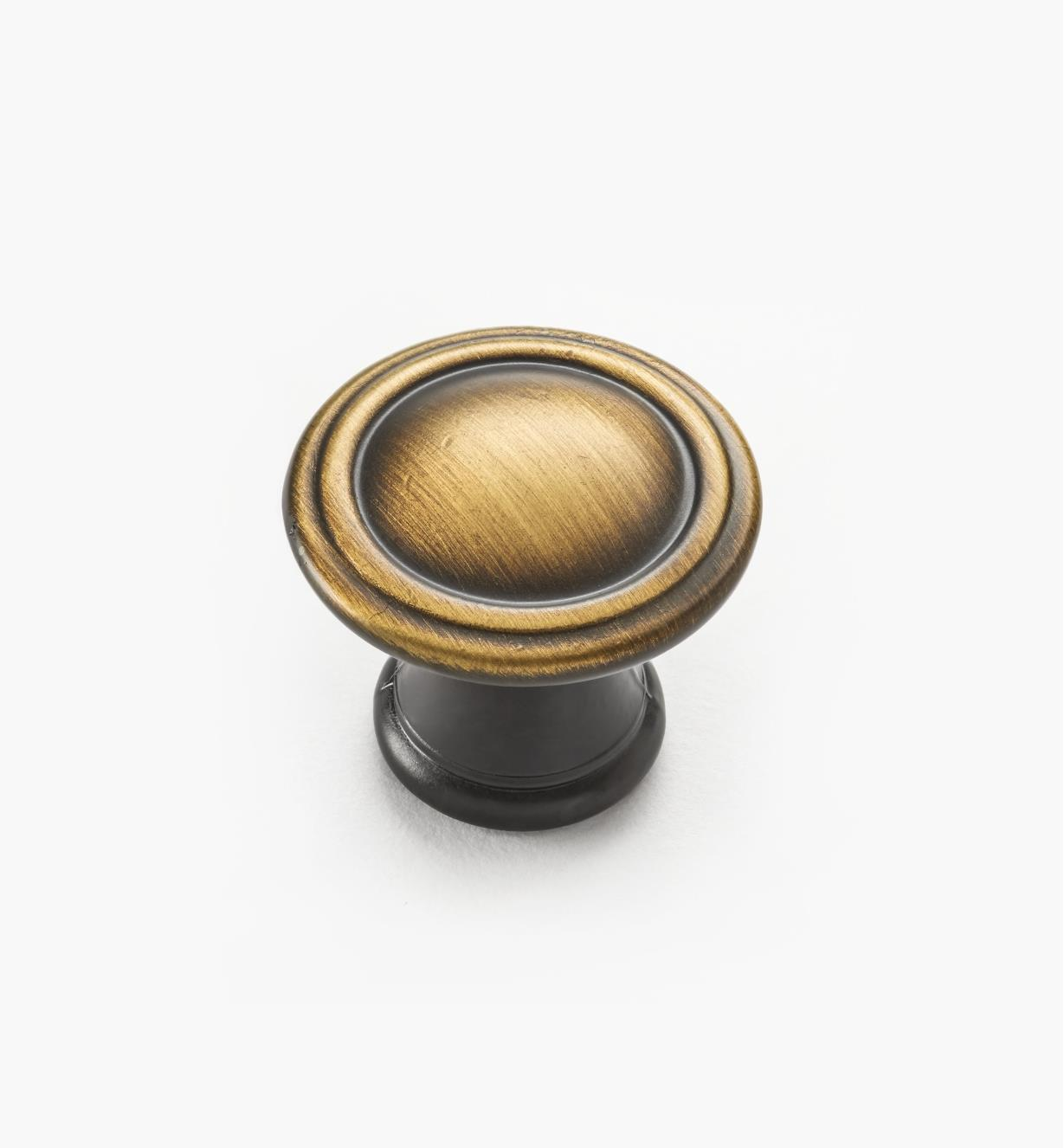 02W4115 - Antique Brass Knob