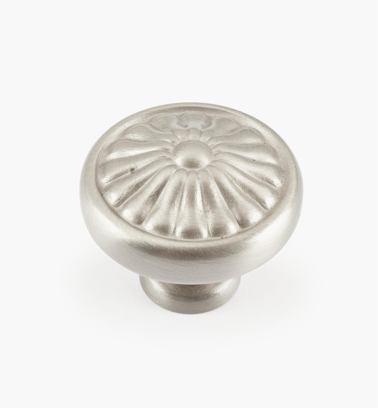 01W4030 - Bouton à pétales, nickel satiné, 11/4pox1po