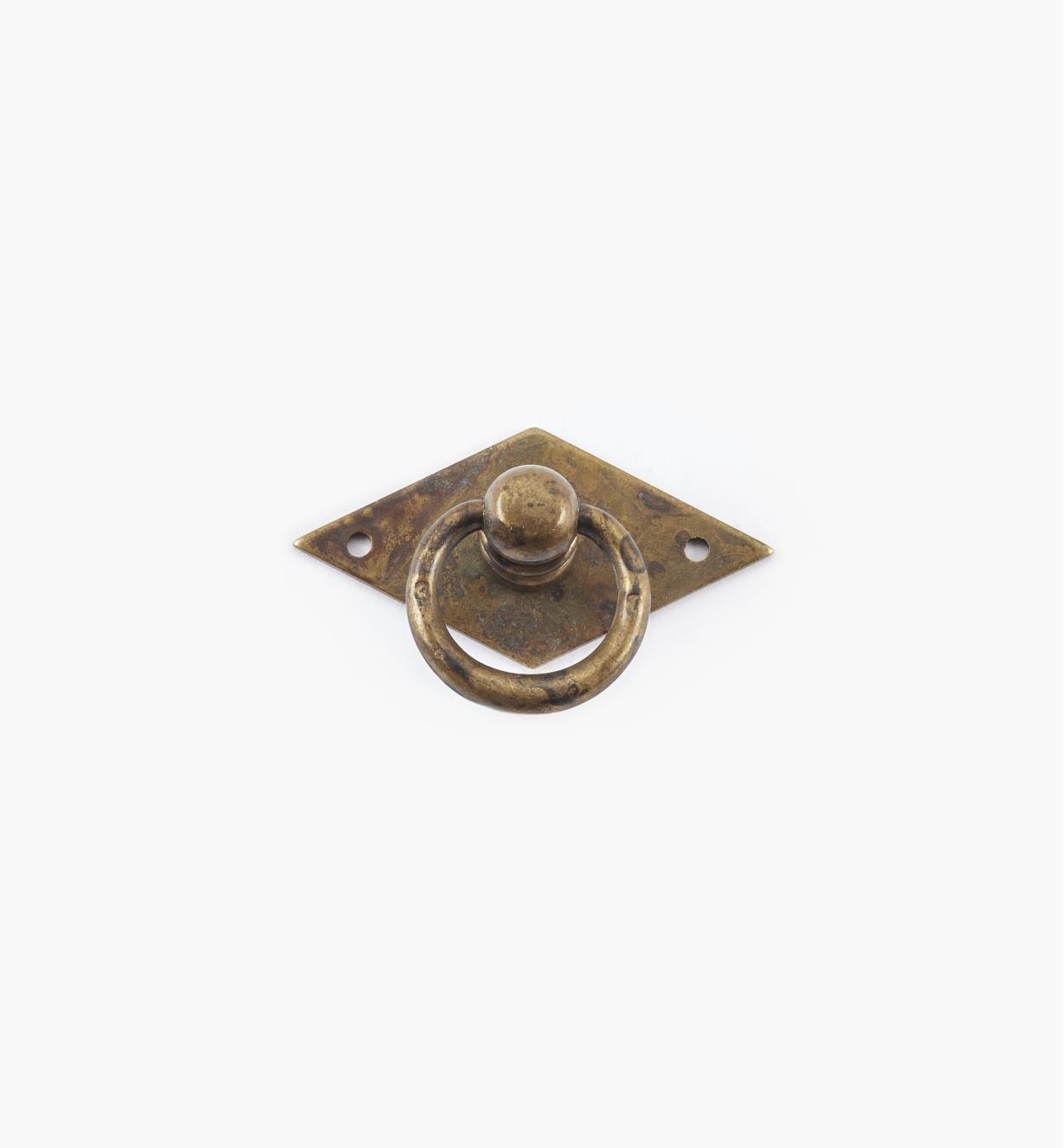 01A6301 - Poignée à anneau fuselé sur platine losange, 50 mm x 33 mm