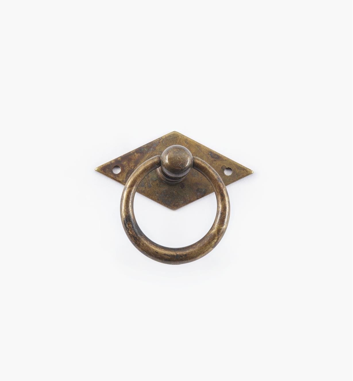 01A6302 - Poignée à anneau fuselé sur platine losange, 50 mm x 44 mm