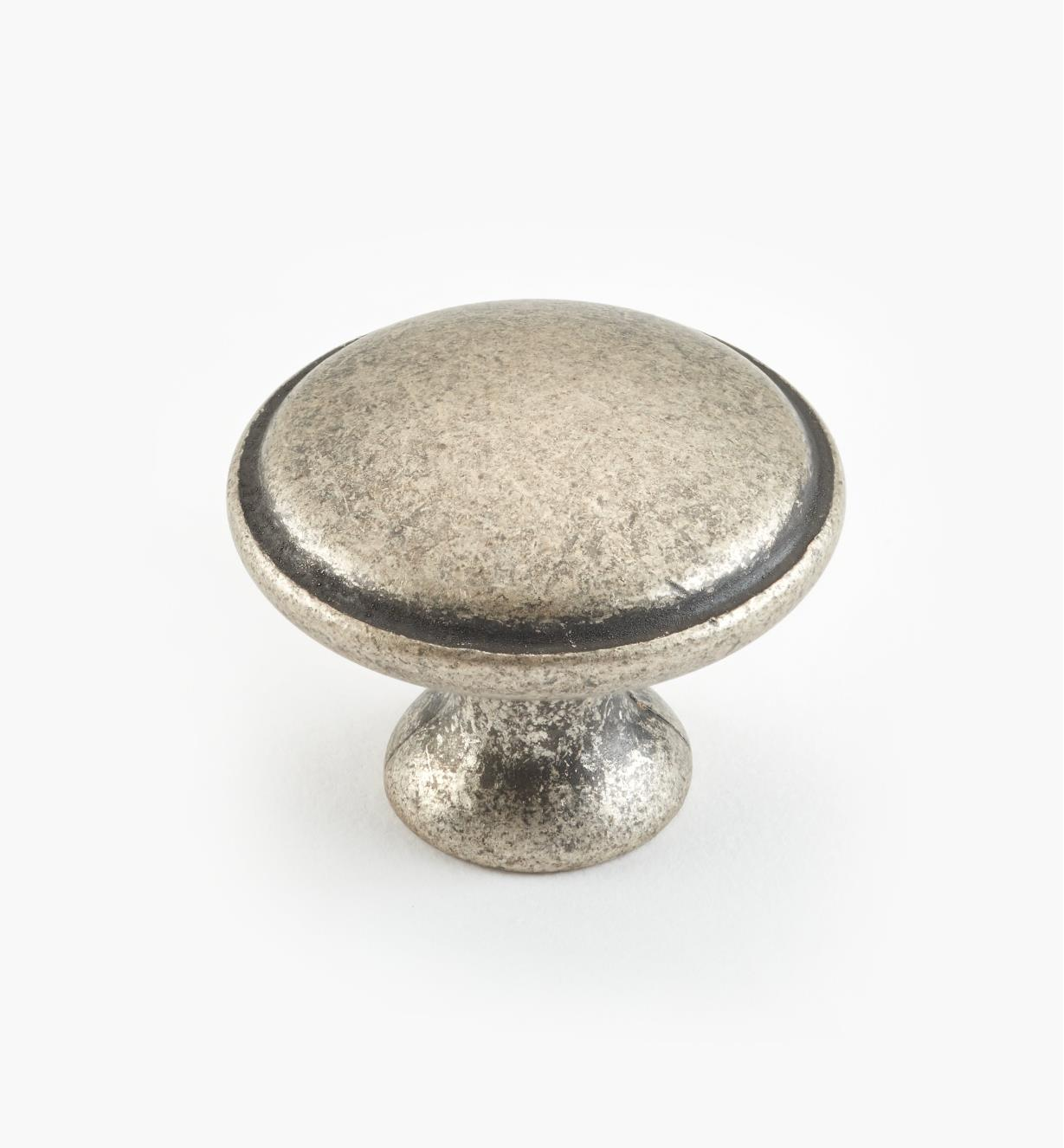 00A7210 - 30mm x 23mm Old Silver Knob