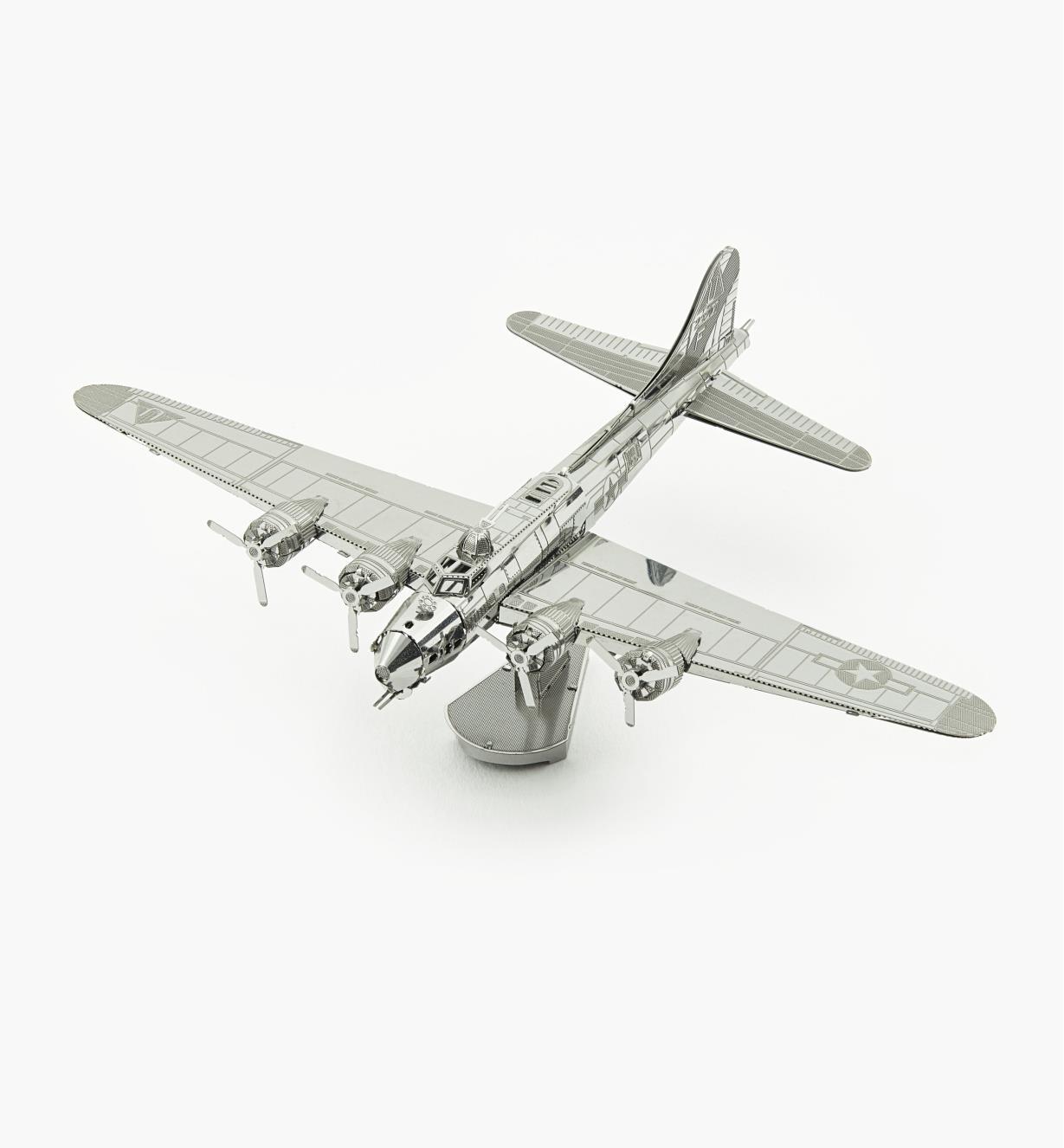 45K4135 - Modèle réduit en métal – B-17 Flying Fortress