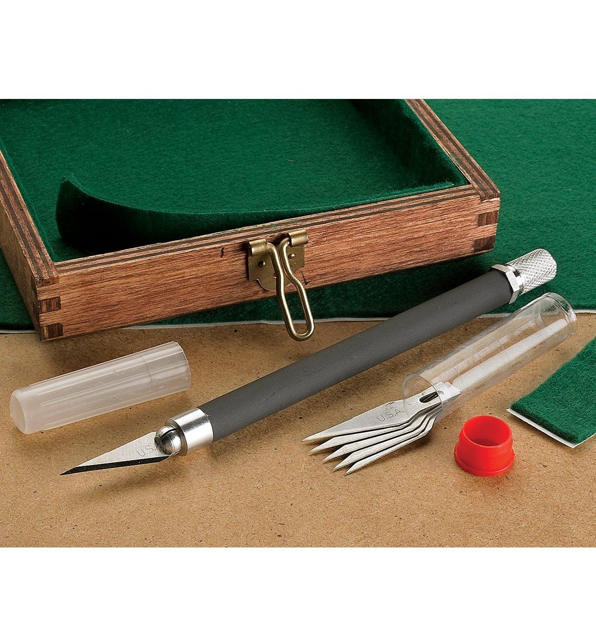 Couteau et lames de précision