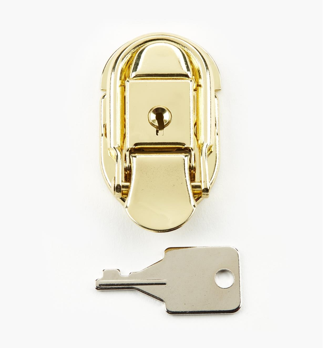 00S5550 - Brass Plate Locking Draw Latch