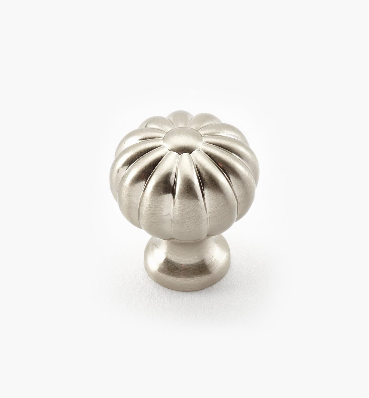03W1515 - 24mm Pumpkin Knob, ea.