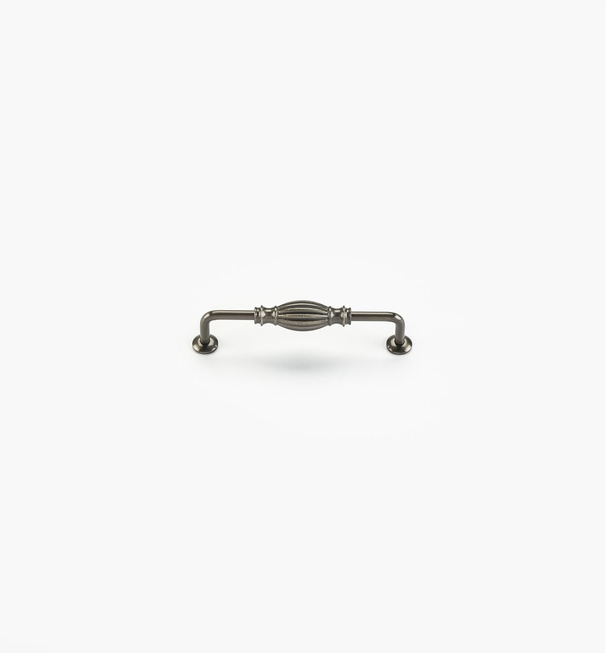 02W4436 - Poignée de 5po, série Olive, fini nickel antique
