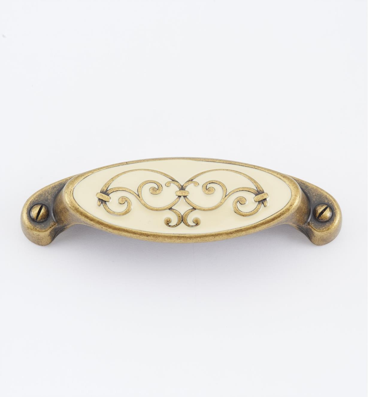 "01A2985 - 4"" (64mm) Filigree Oval Shell Pull"
