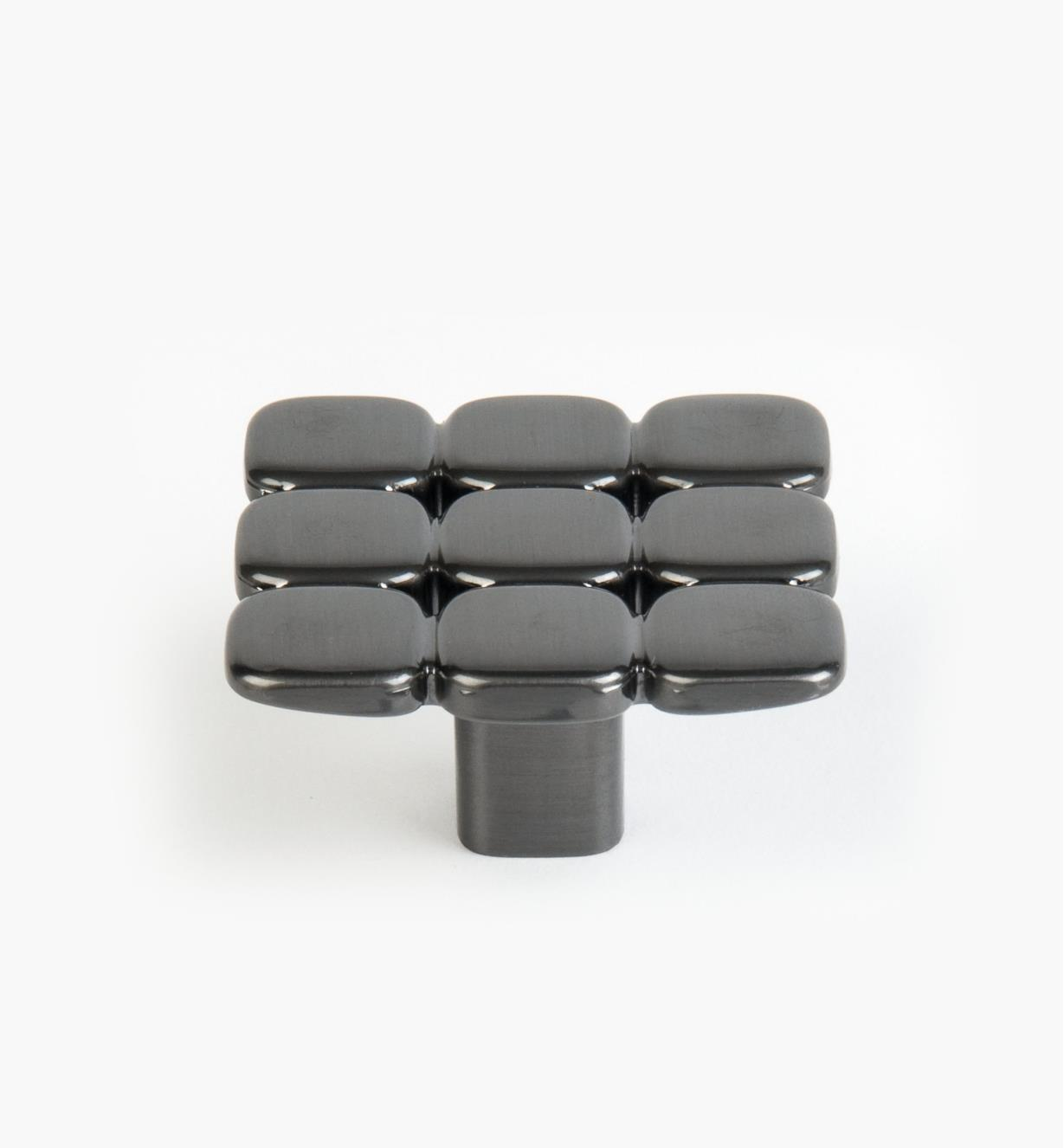 01G1581 - 48mm x 27mm Black Nickel Quadro Knob