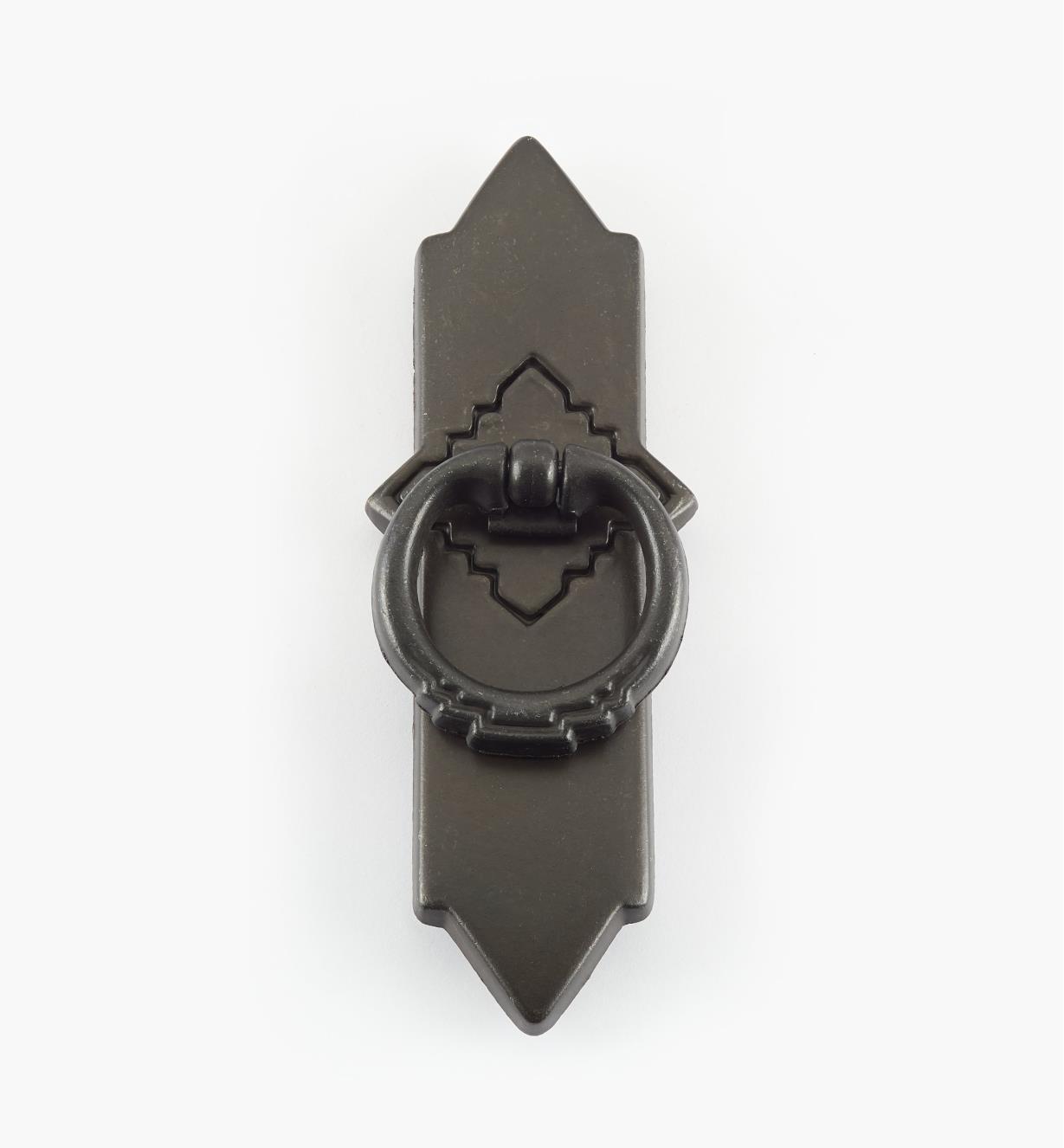 01G6131 - Poignée à anneau sur platine de 1 5/8 po x 4 5/8 po, série Southwest, fer noir