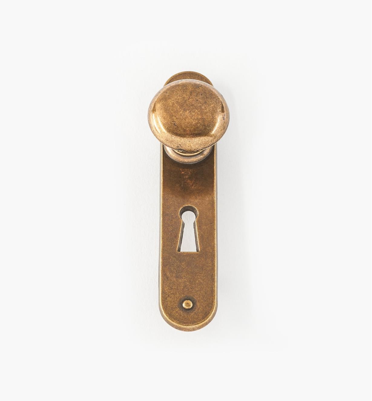 01W3332 - Bouton de porte sur entrée de serrure, fini anglais antique, 3 1/2 po