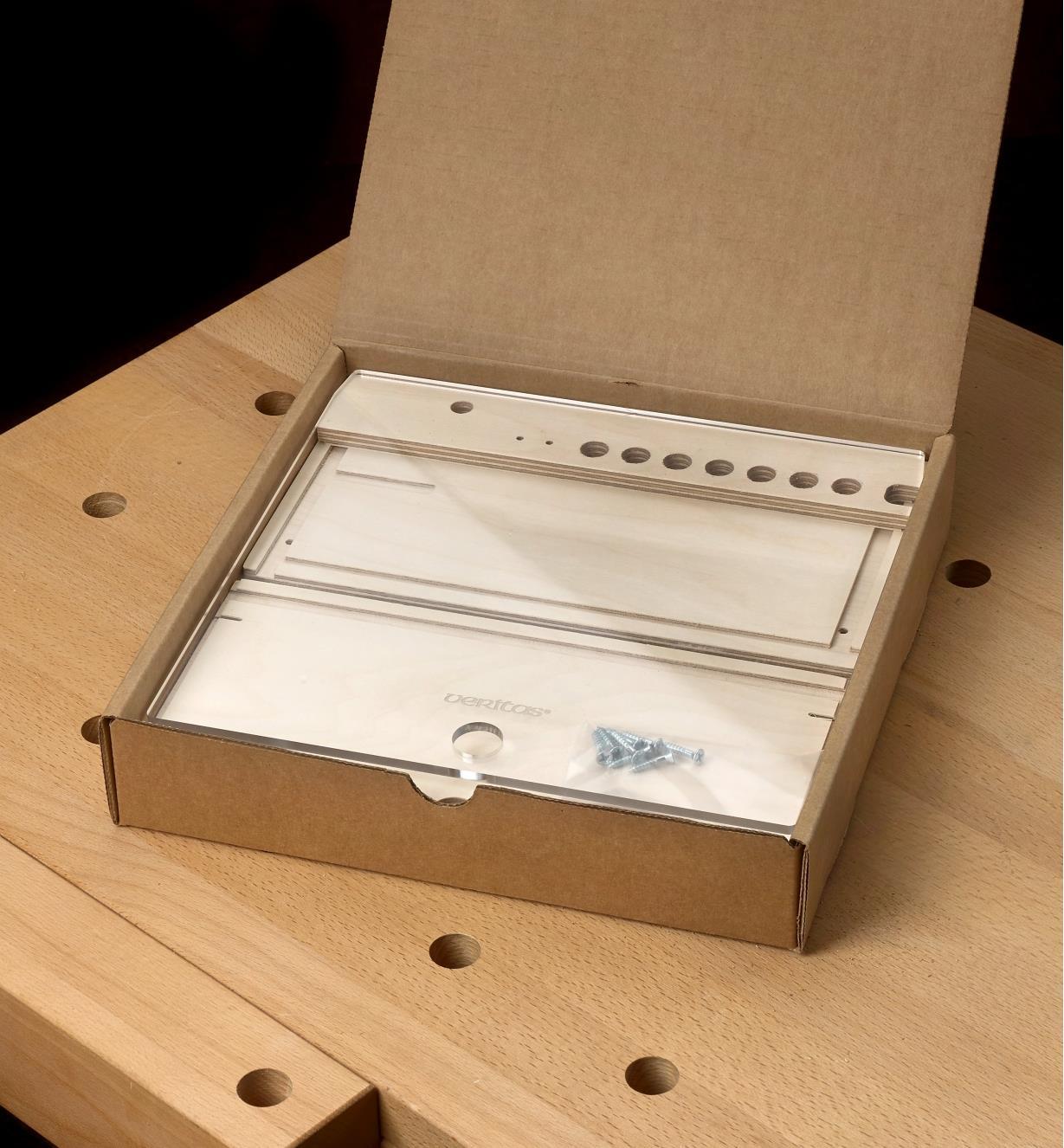 Coffret de rangement pour guimbarde Veritas livré démonté et emballé à plat dans une boîte de carton