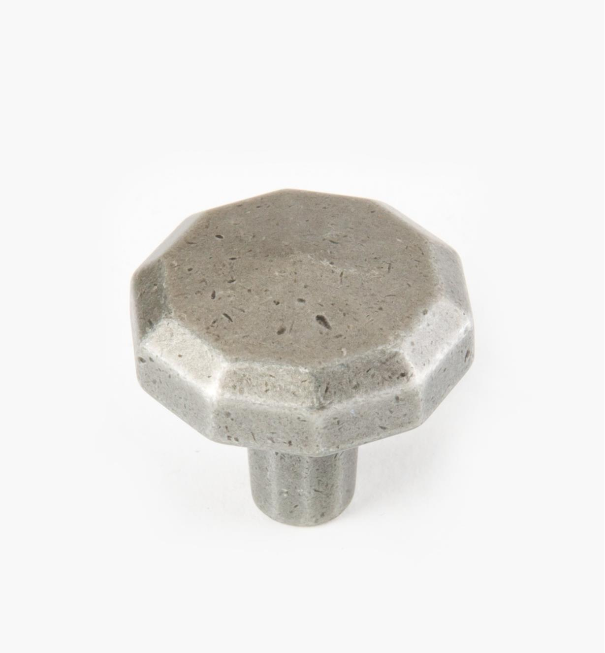 00A7521 - Tudor Pewter 32mm Knob, each