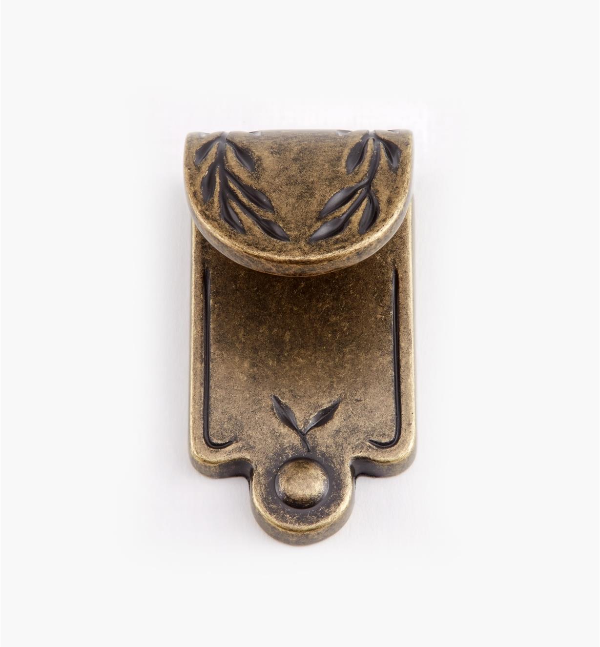 02A0503 - Petite poignée à tirette à motif de feuille, série Inspirations, fini laiton antique