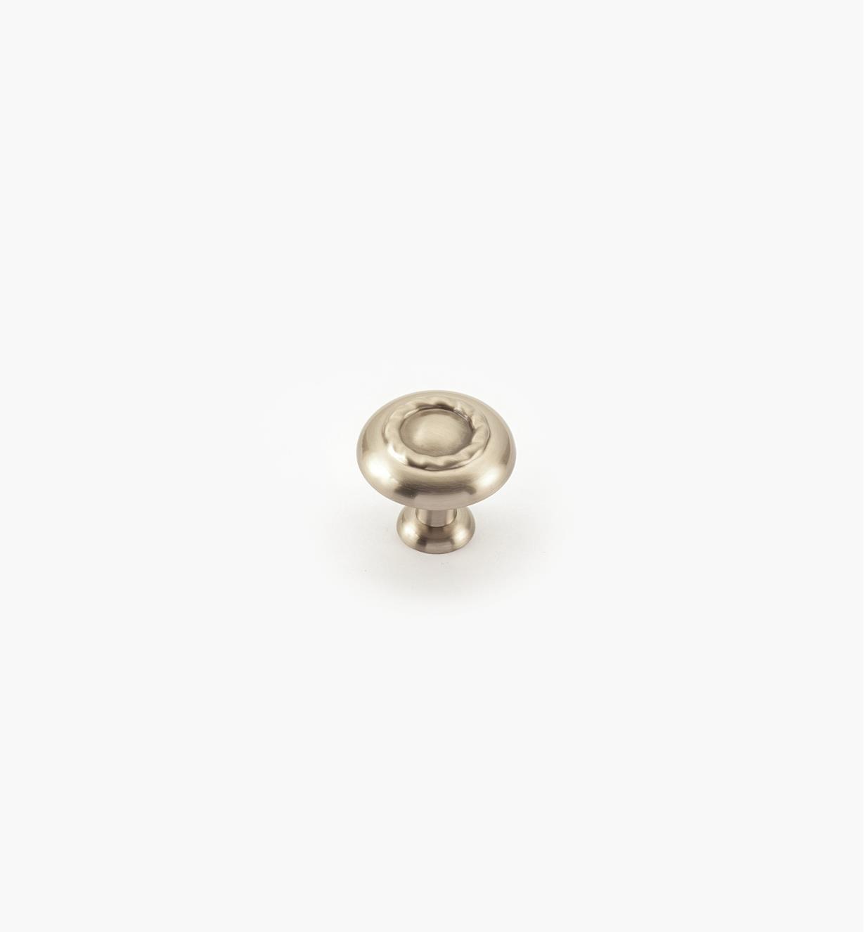 02A0824 - Bouton à motif cordé de 11/4po, série Inspirations, fini chrome satiné