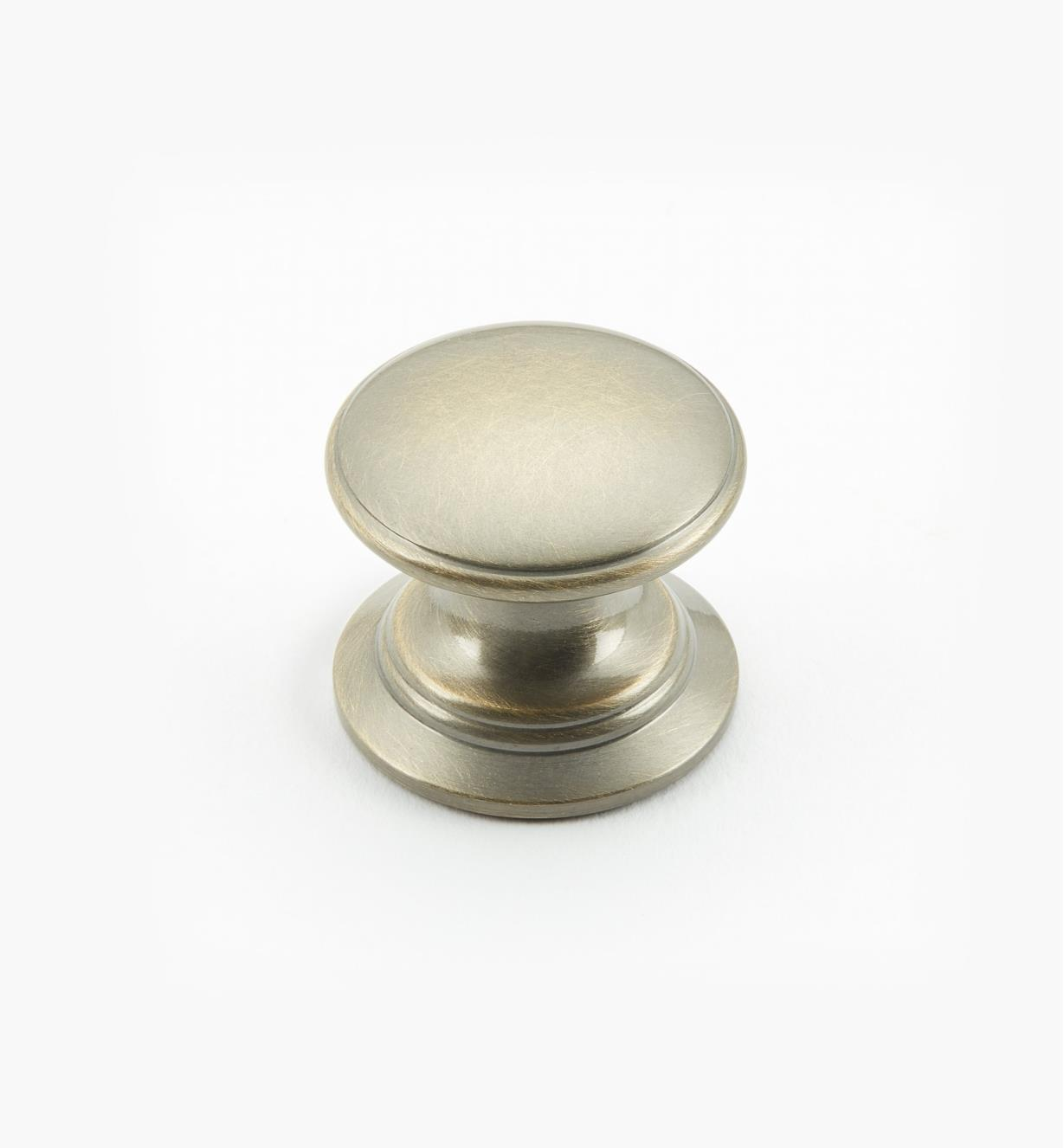 "02W1418 - Antique Brass Suite - 1"" x 7/8"" Round Brass Knob"