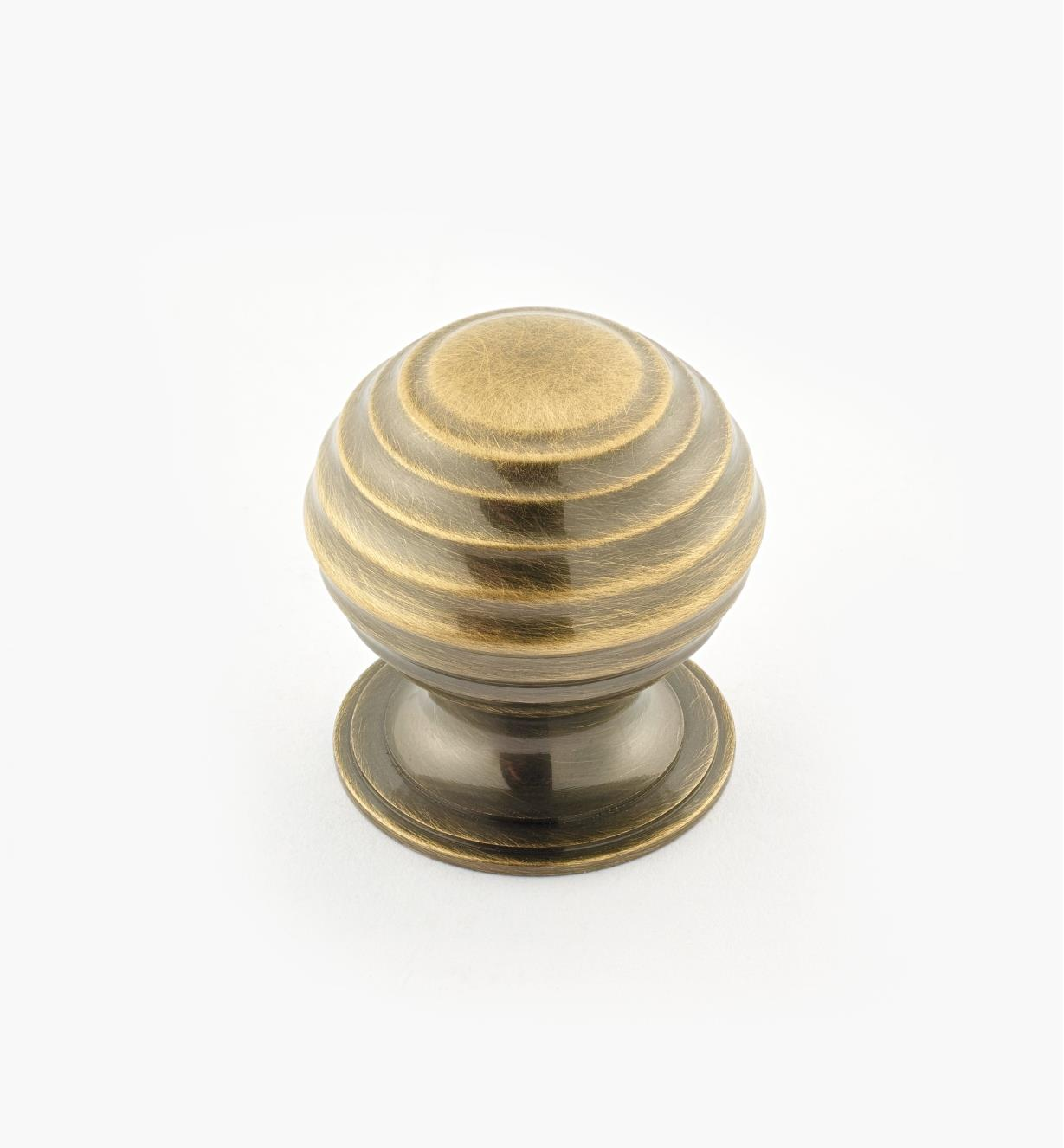"02W3235 - Antique Brass Suite - 1 1/4"" x 1 1/4"" Turned Brass Ridged Knob"