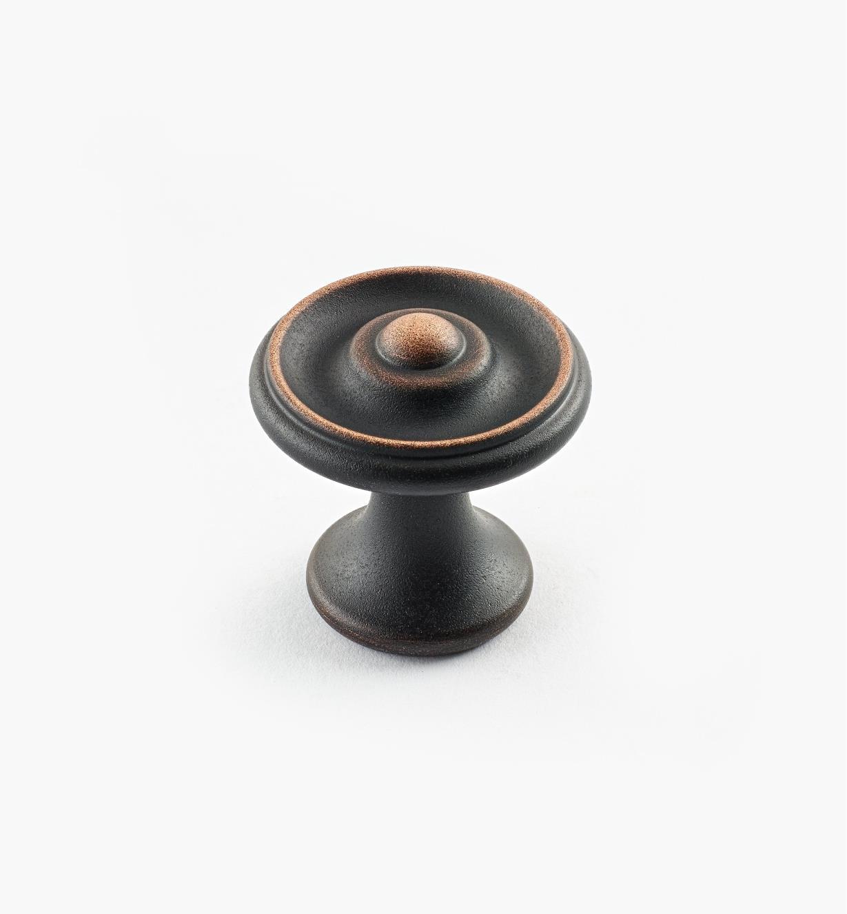 02W3261 - Bouton à bosselure centrale de 1 1/8 po x 1 1/8 po, série Vieux Bronze, laiton tourné