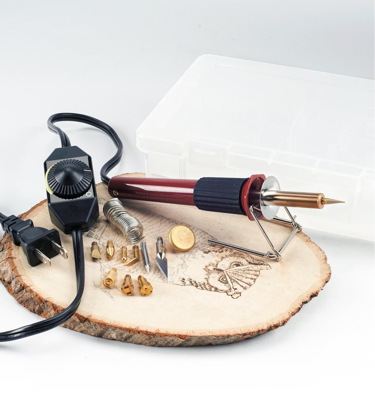 17J1802 - Fer à pyrograver multifonction