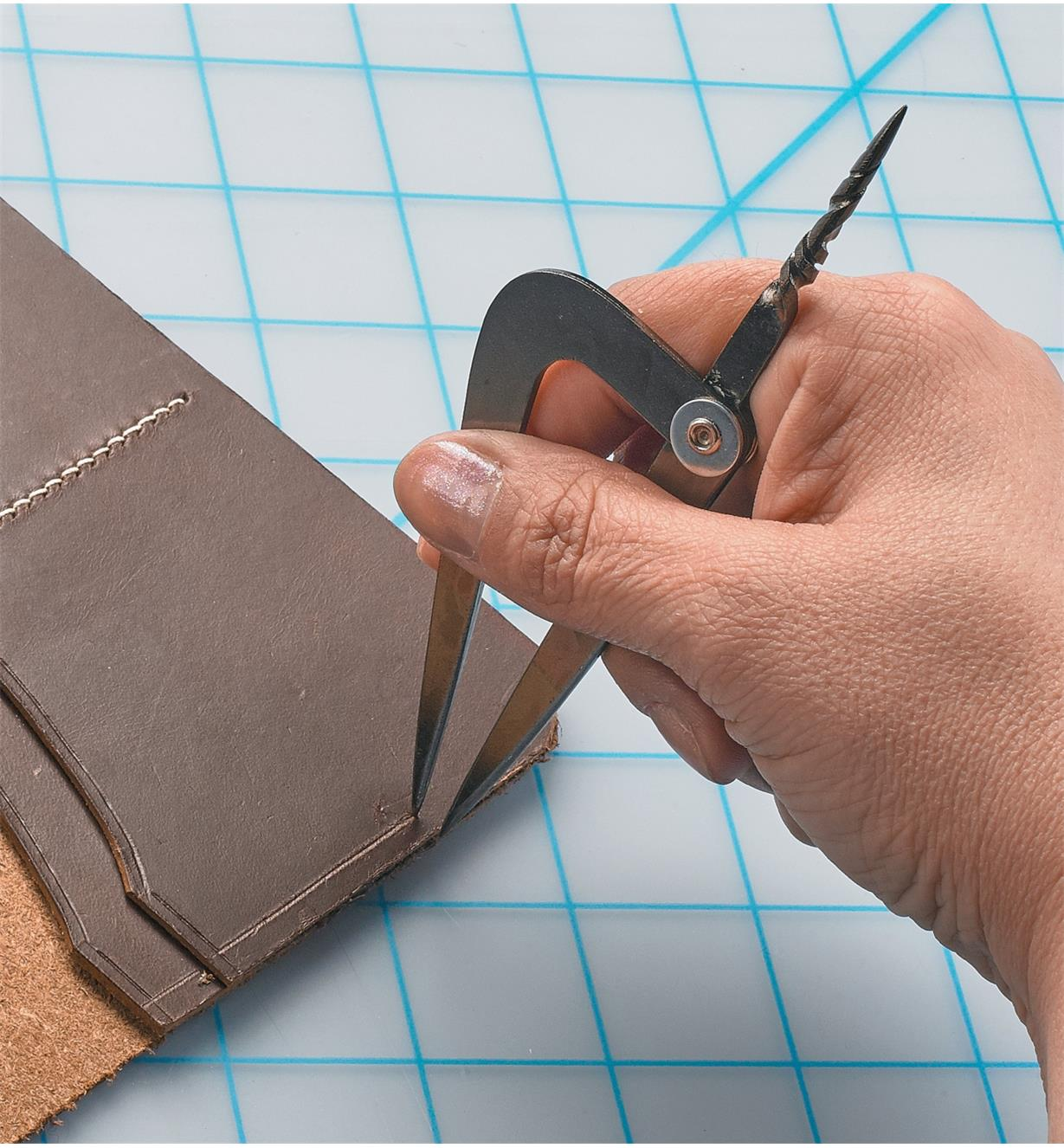 Marking stitch lines in a leather folder with Offset Dividers