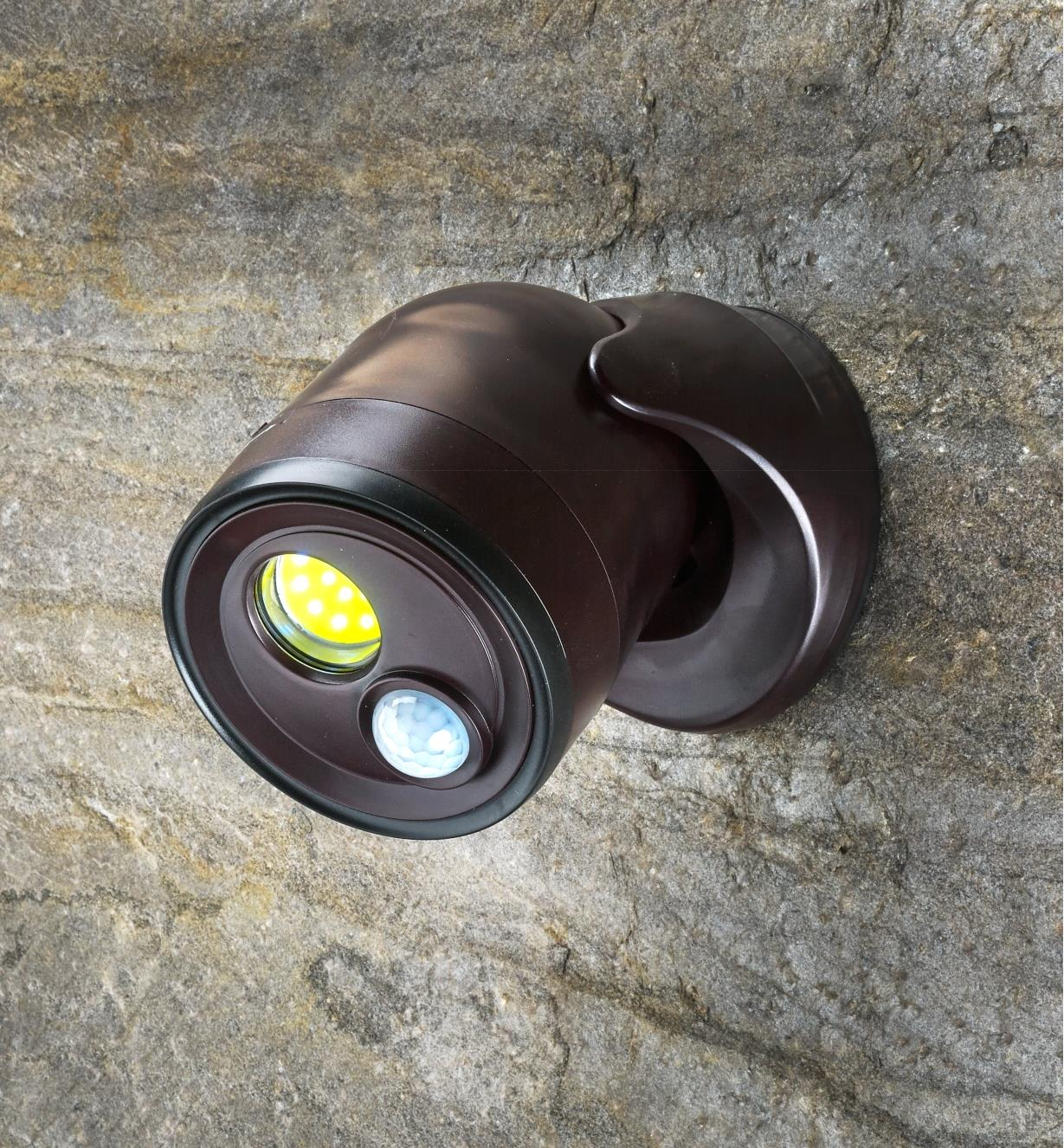99W7597 - Motion-Activated LED Light