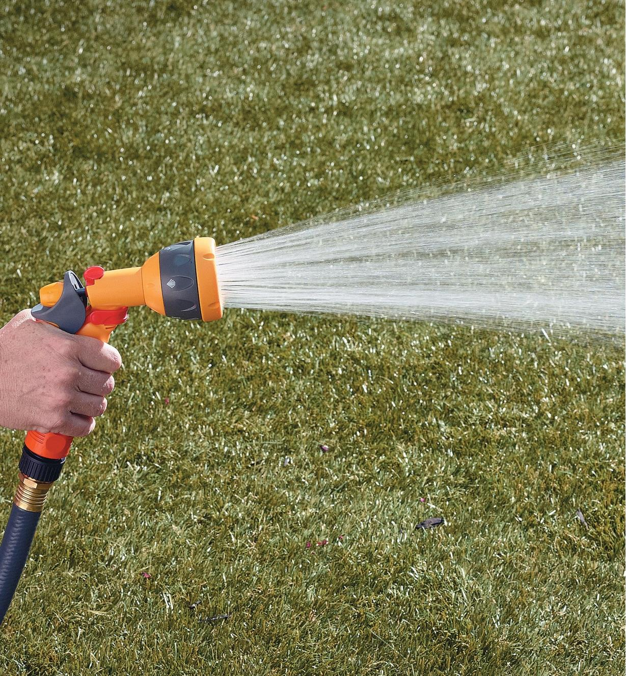 Hozelock Lightweight Sprayer spraying a gentle shower pattern