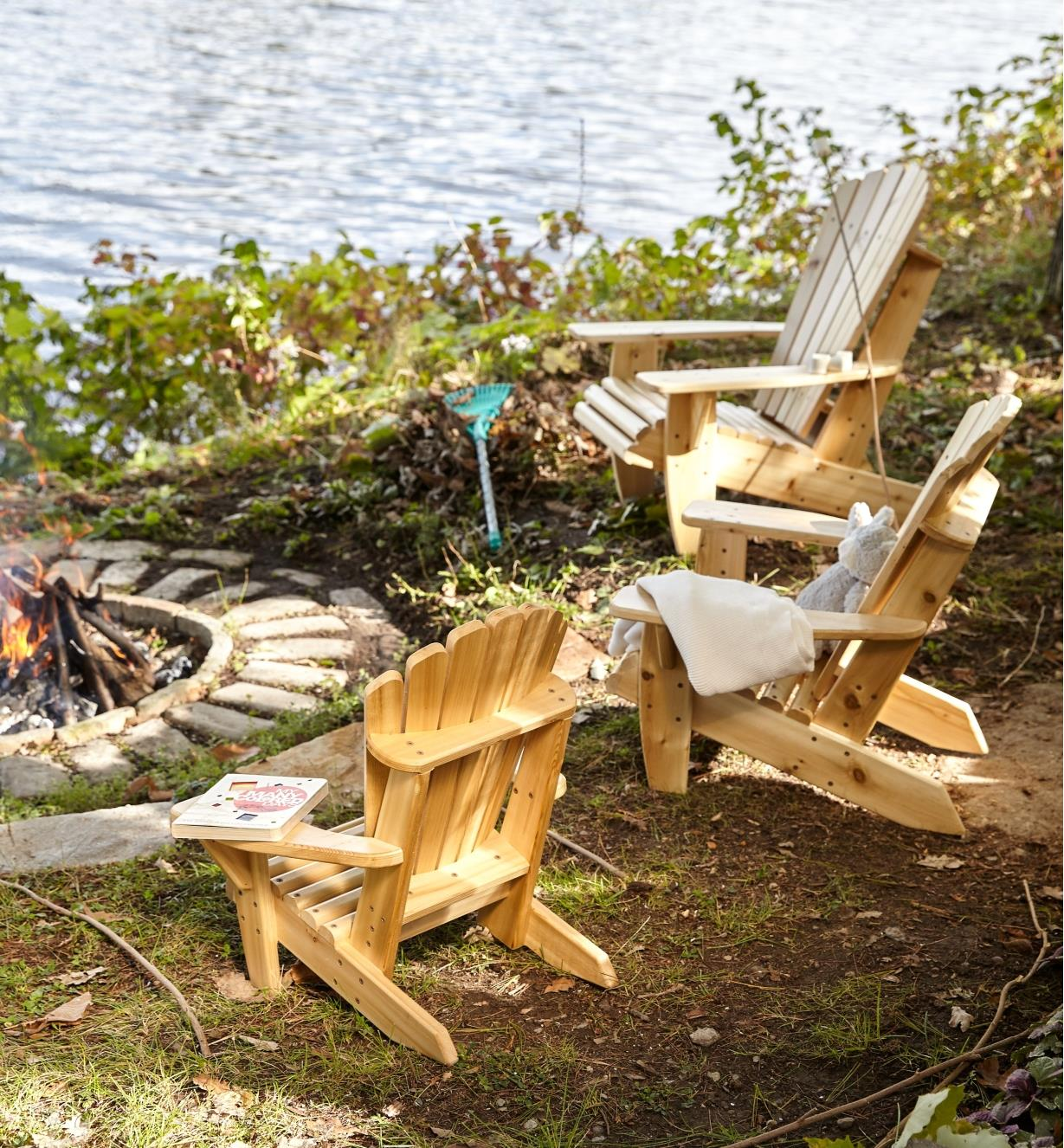 Examples of completed chairs placed around an outdoor fire pit