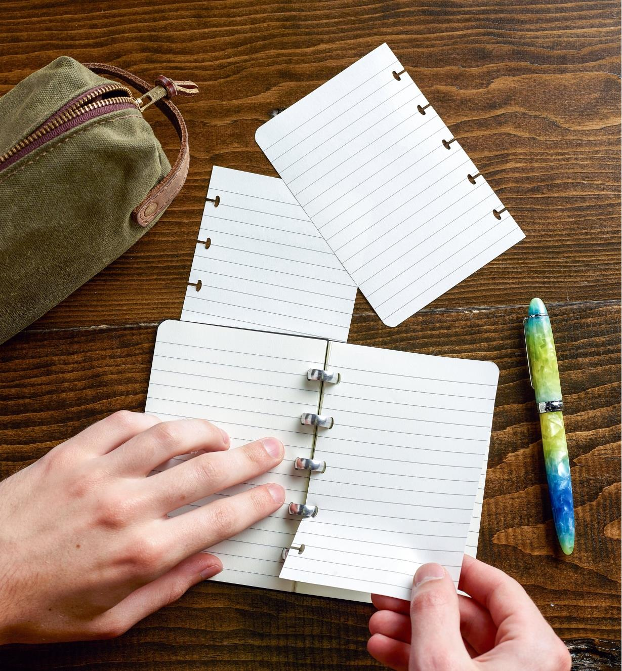 Removing blank pages from the small Atoma notebook