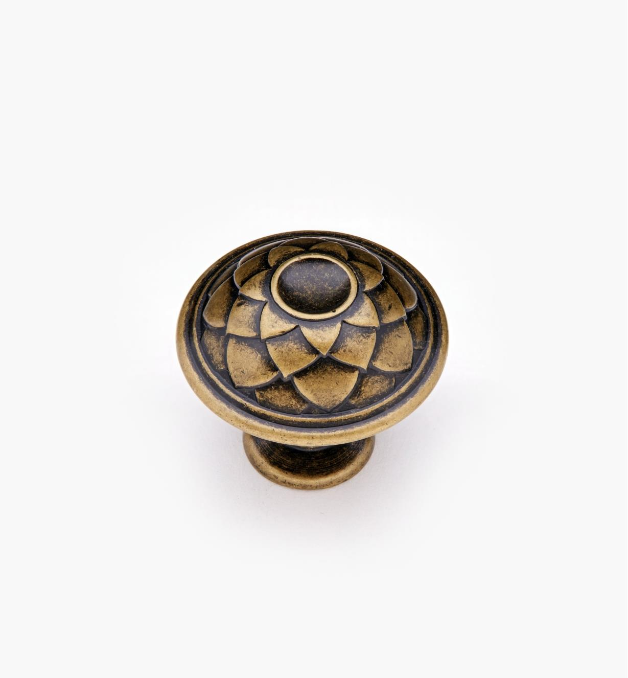 02A1240 - Antique Brass Knob