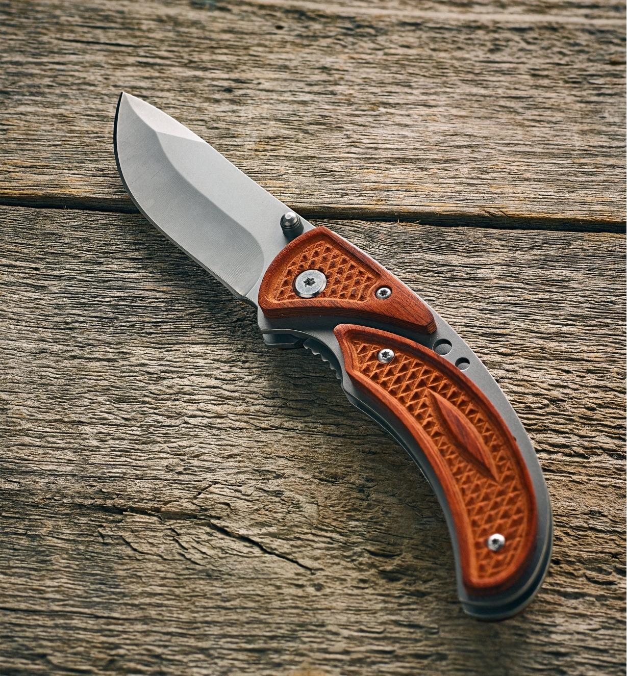 Couteau à platine-verrou assemblé