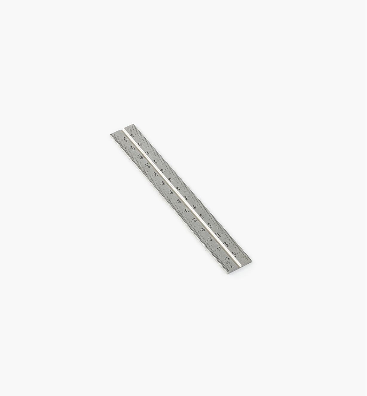 30N3140 - Règle métrique de 150mm au fini standard pour têtes d'équerre de 6po et 150mm Starrett