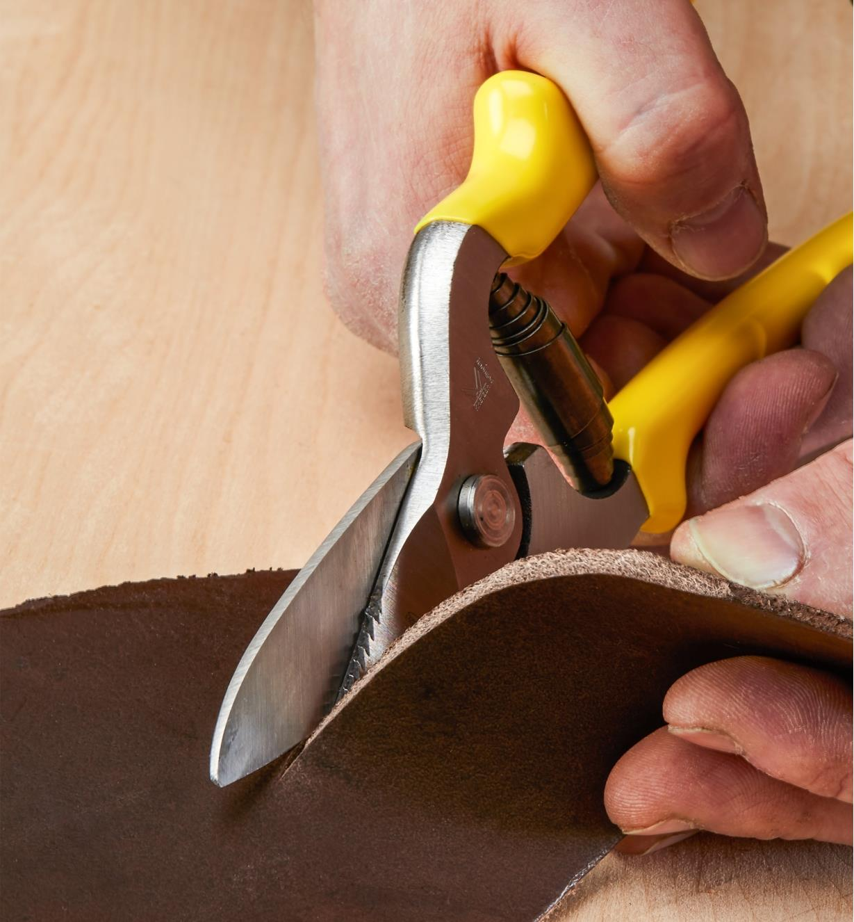Cutting thick leather with Leather Shears