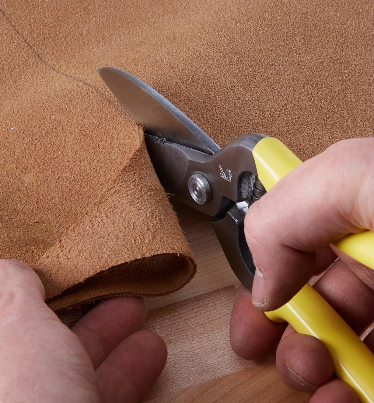 Cutting thin leather with Leather Shears