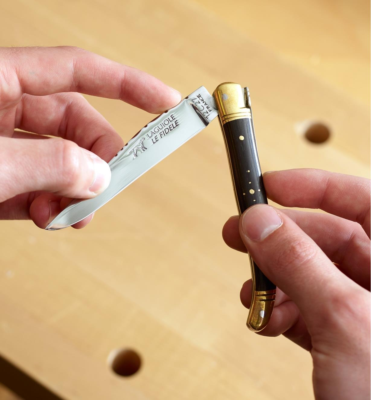 33K0615 - Le couteau Laguiole