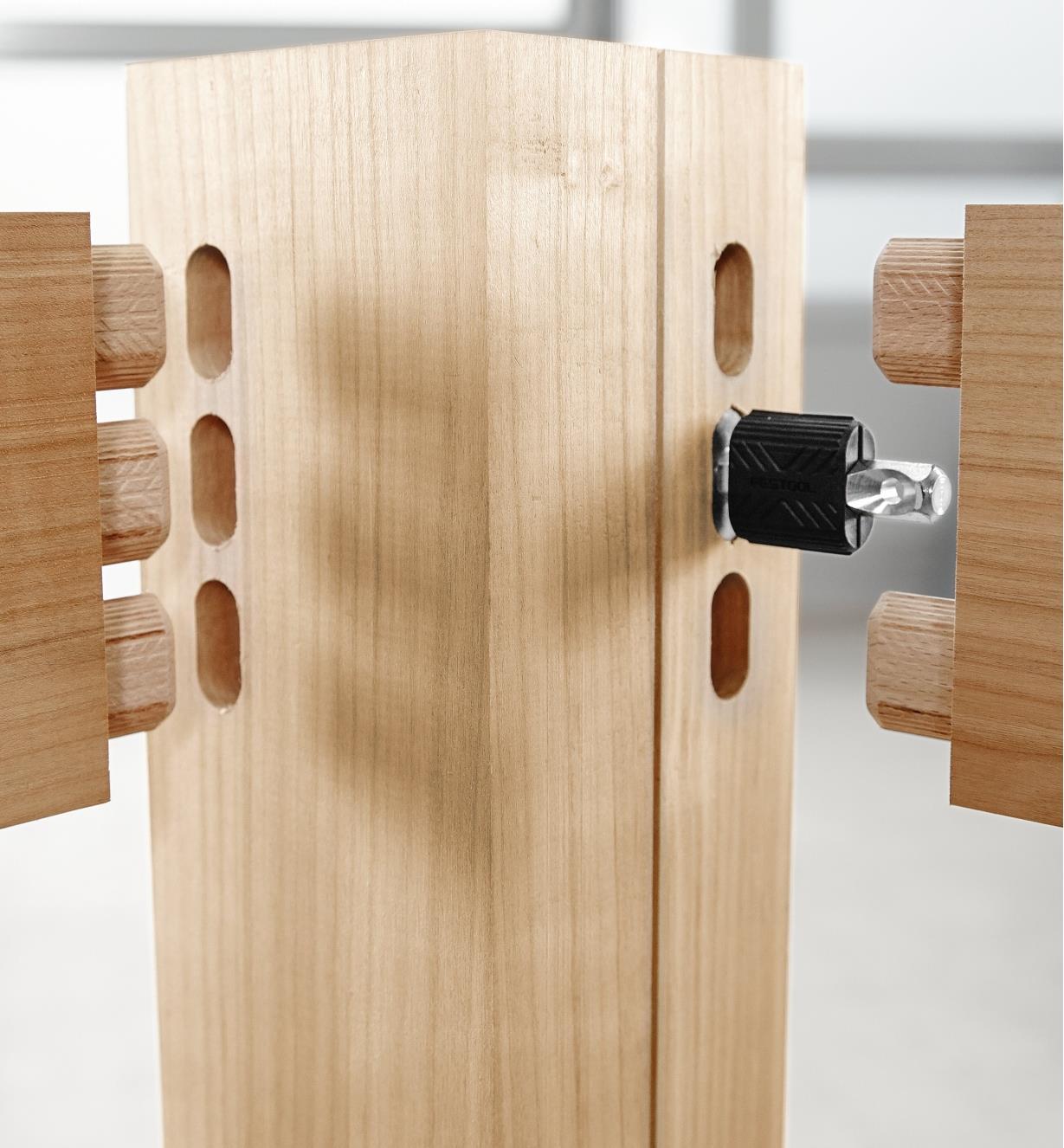 ZA201350 - Élément de fixation traversant, 32 pièces