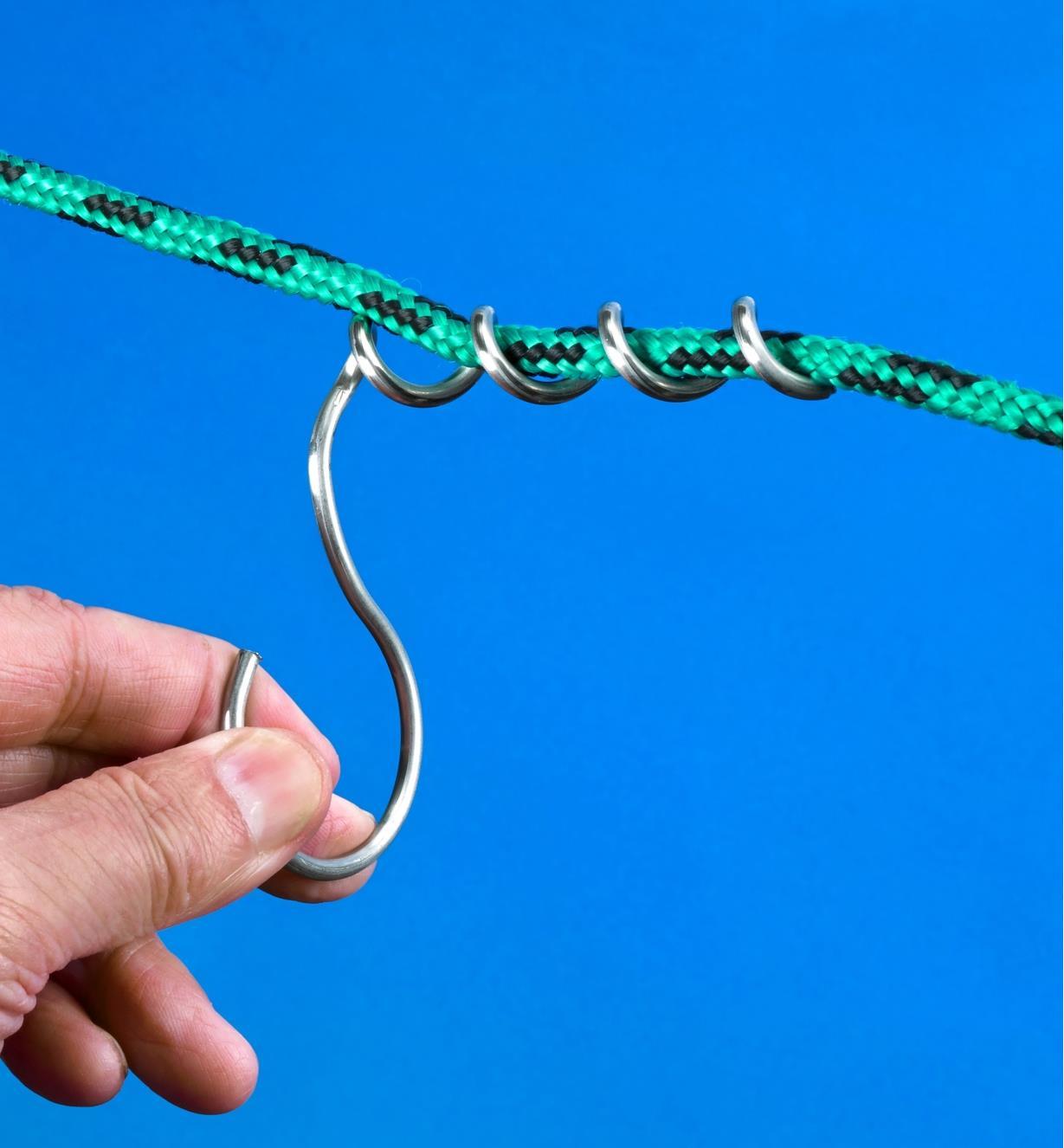 05H4506 - Crochets à tige vrillée, pqt de 6