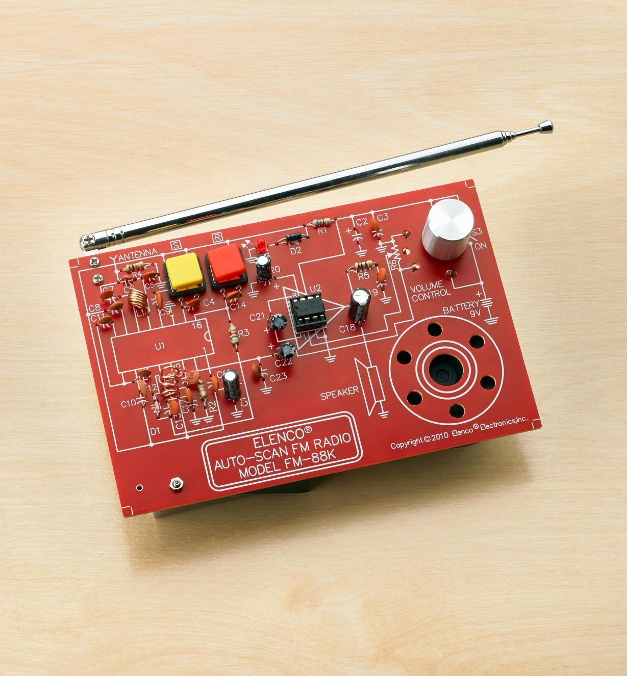 Assembled auto-scan FM radio from the Elenco WEMake FM radio kit
